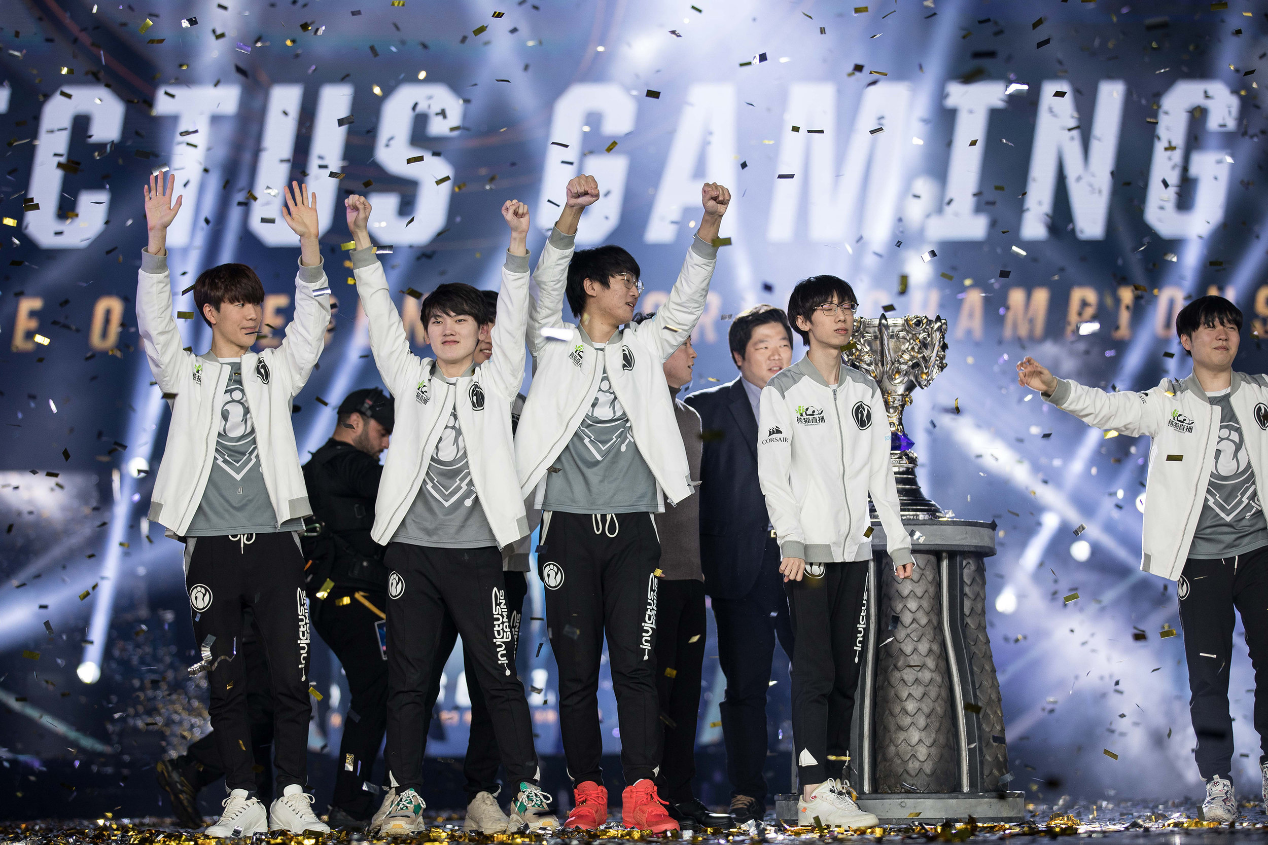 Invictus Gaming celebrating their win onstage at 2018 League of Legends World Championship sponsored by Mastercard on November 3, 2018 in Incheon, South Korea.  Photo by Hannah Smith/ESPAT Media for Mastercard