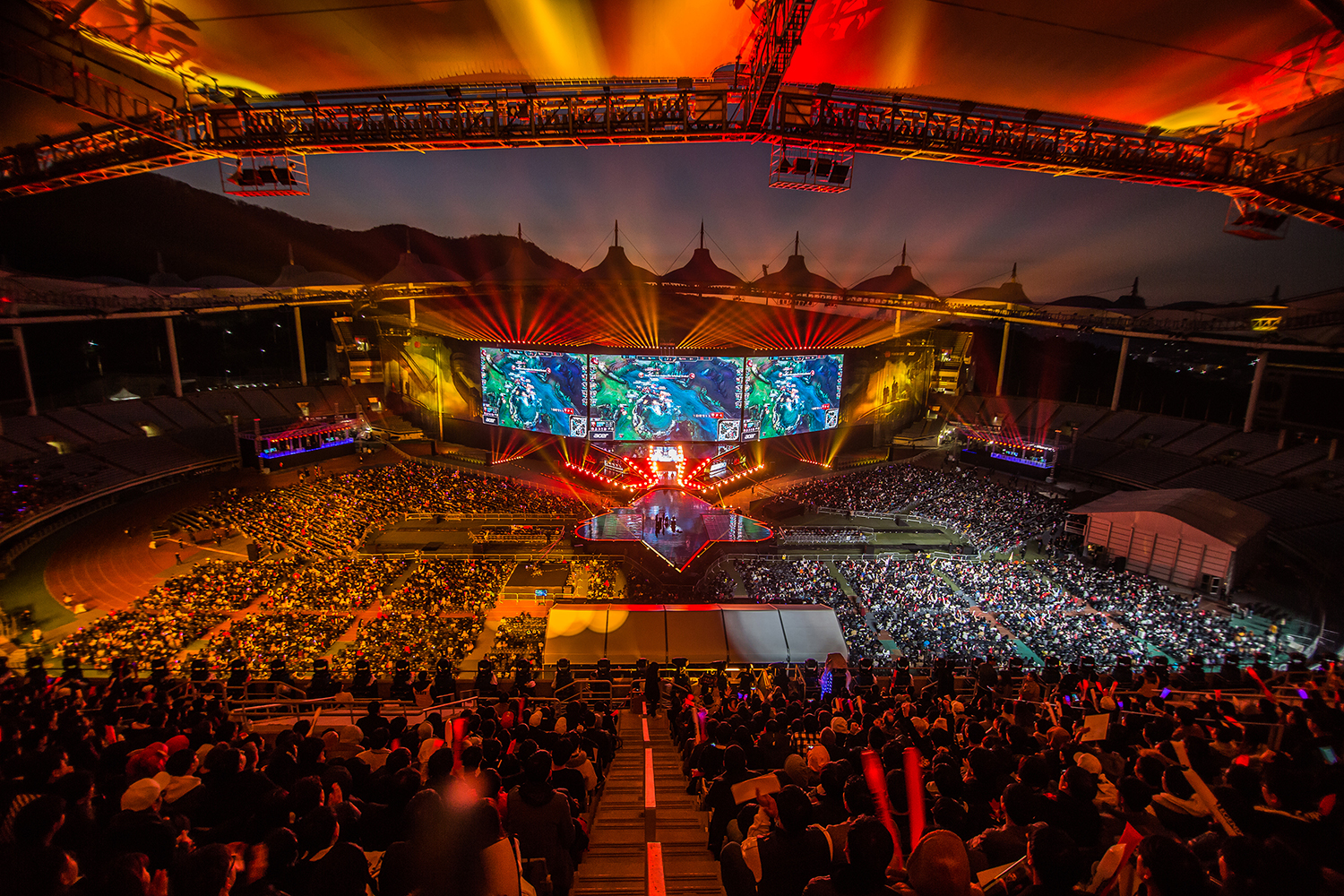 League of Legends fans watching the 2018 League of Legends World Championship Finals sponsored by Mastercard on November 3, 2018 in Incheon, South Korea. Photo by Hannah Smith/ESPAT Media for Mastercard