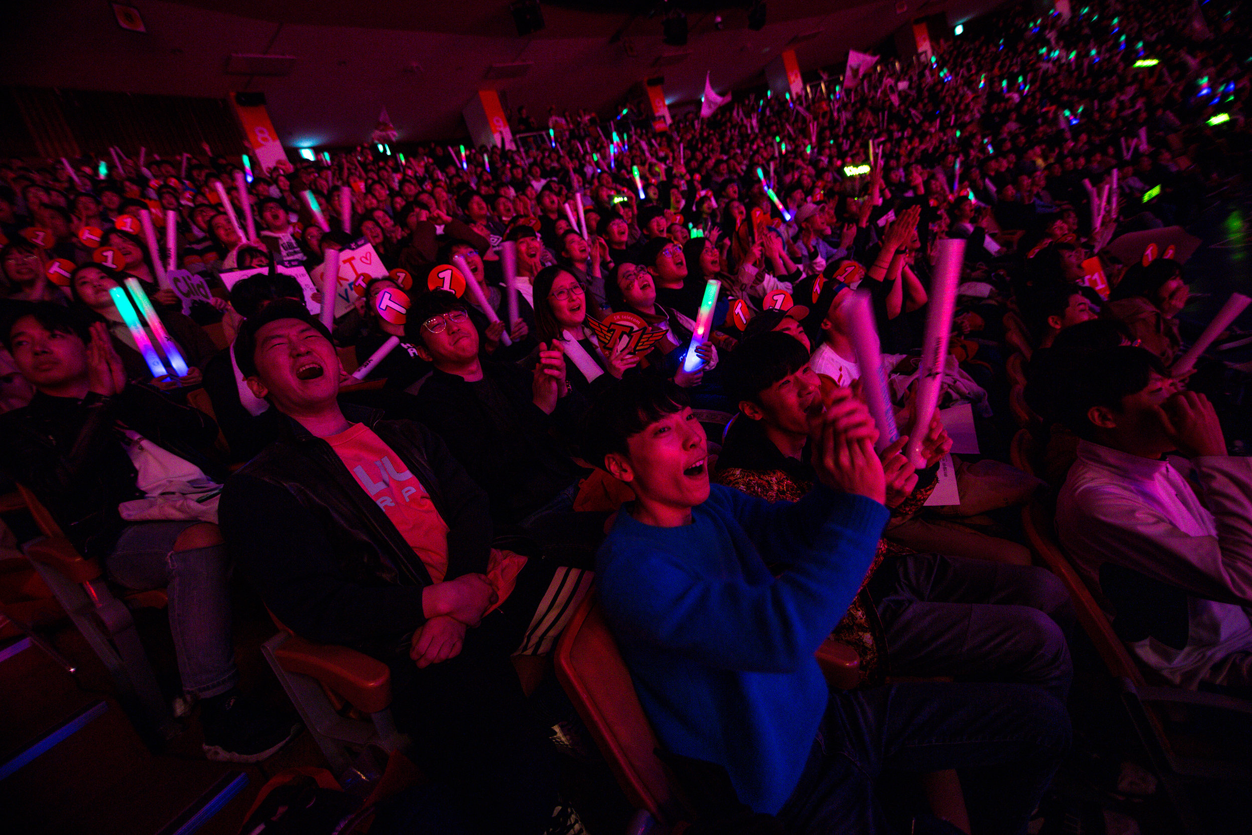 SEOUL, SOUTH KOREA - APRIL 13: Crowd cheering on their team as SK Telecom T1 wins 3-0 over Griffin at LCK Spring Finals at Jamsil Sports Center on April 13, 2019 in Seoul, Korea. Photo by Timo Verdeil/ESPAT Media
