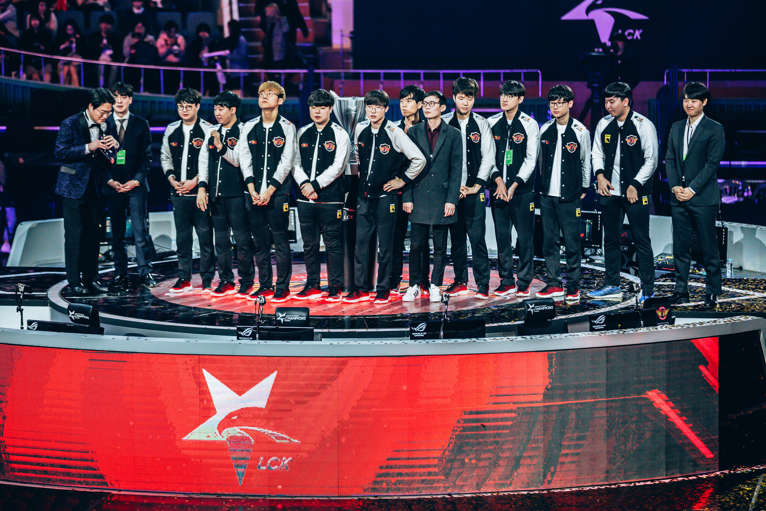SEOUL, SOUTH KOREA - APRIL 13: Team SK Telecom T1 on stage after winning 3-0 over Griffin at LCK Spring Finals at Jamsil Sports Center on April 13, 2019 in Seoul, Korea. Photo by Timo Verdeil/ESPAT Media