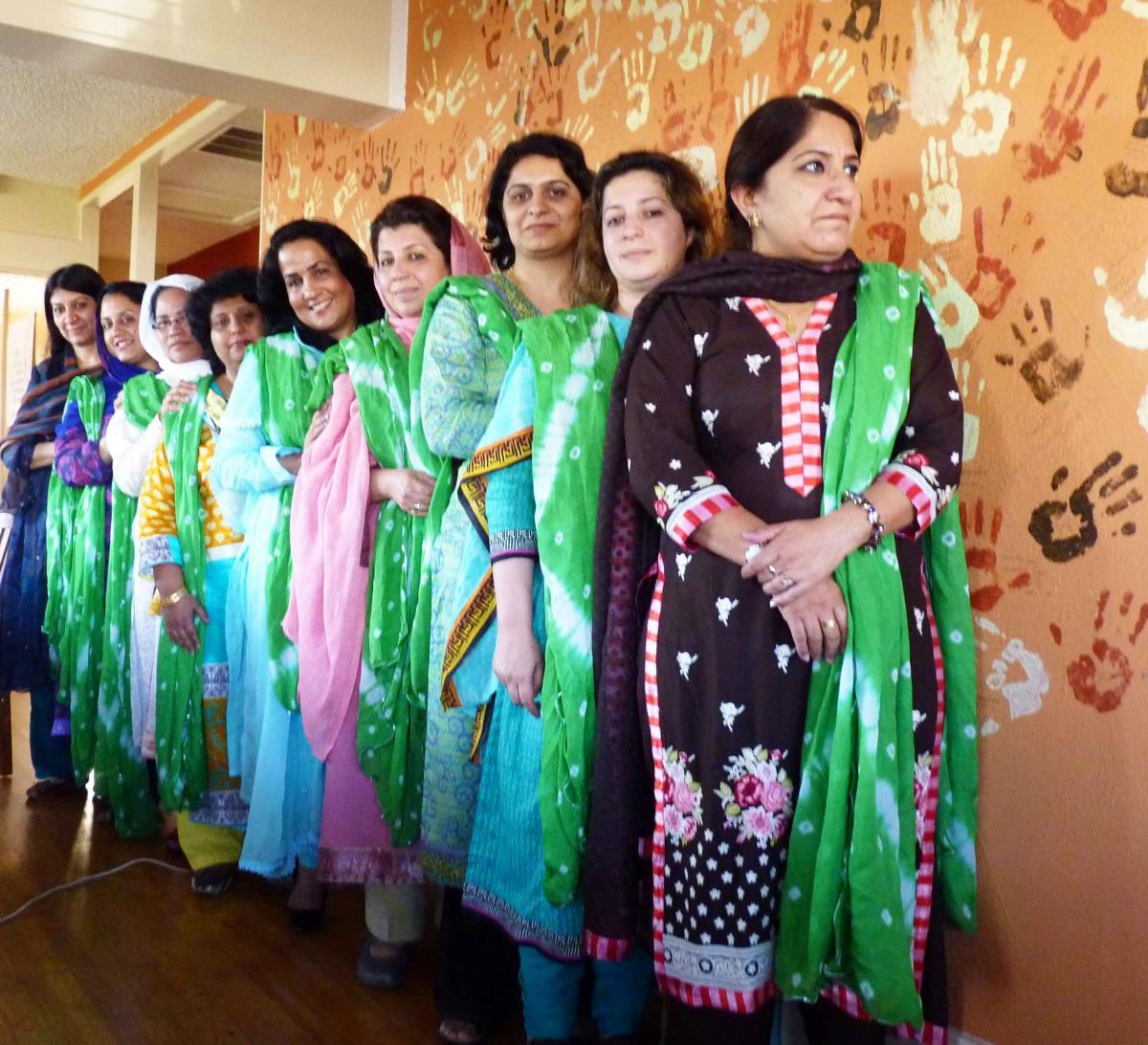 pakistani-woman-group.jpg