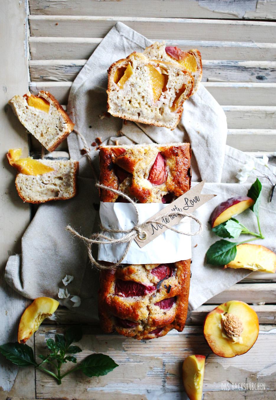 Schnell & einfach: Pfirsich-Rührkuchen mit weißer ...