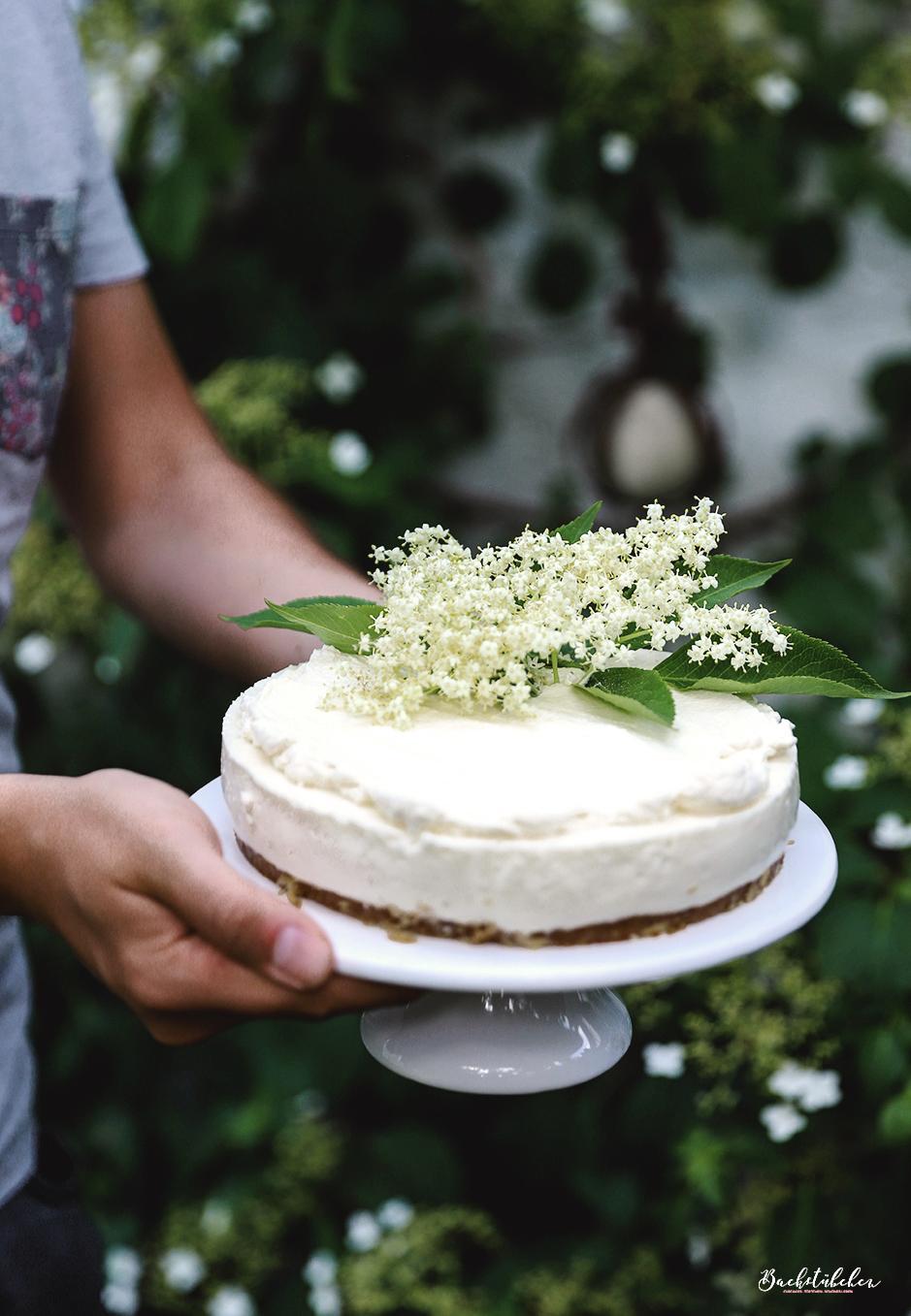 Holunder Cheesecake 2.jpg