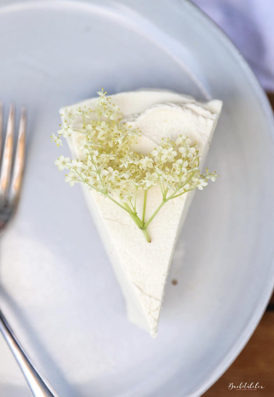 Holunder Cheesecake 5.jpg