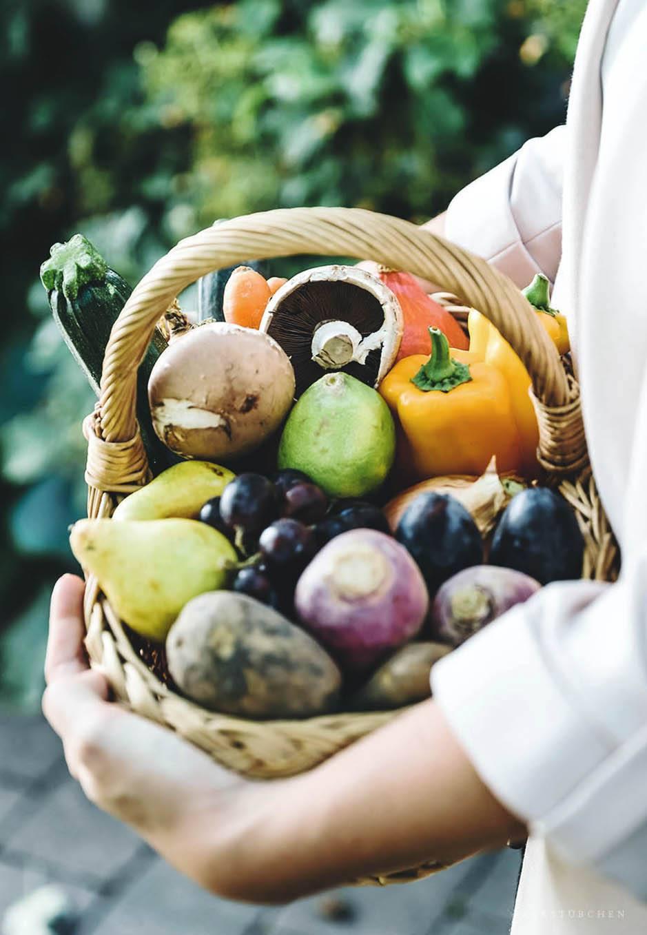 """In einer Mix-Box """"Classic"""" stecken zwischen 4 kg und 5 kg Obst und Gemüse. Sie kann für 23,90 Euro bestellt werden."""