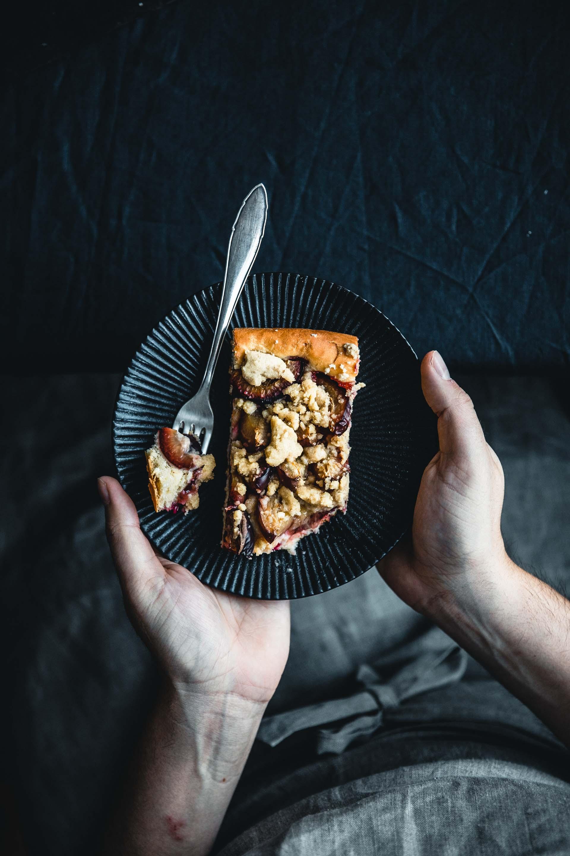 Zwetschgenkuchen mit Hefeteig vom Blech: Dazu sagen wir nicht nein.