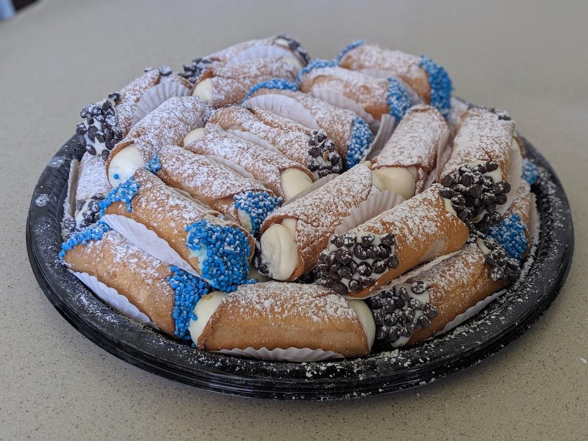Cannoli Pastry Tray 01.jpg