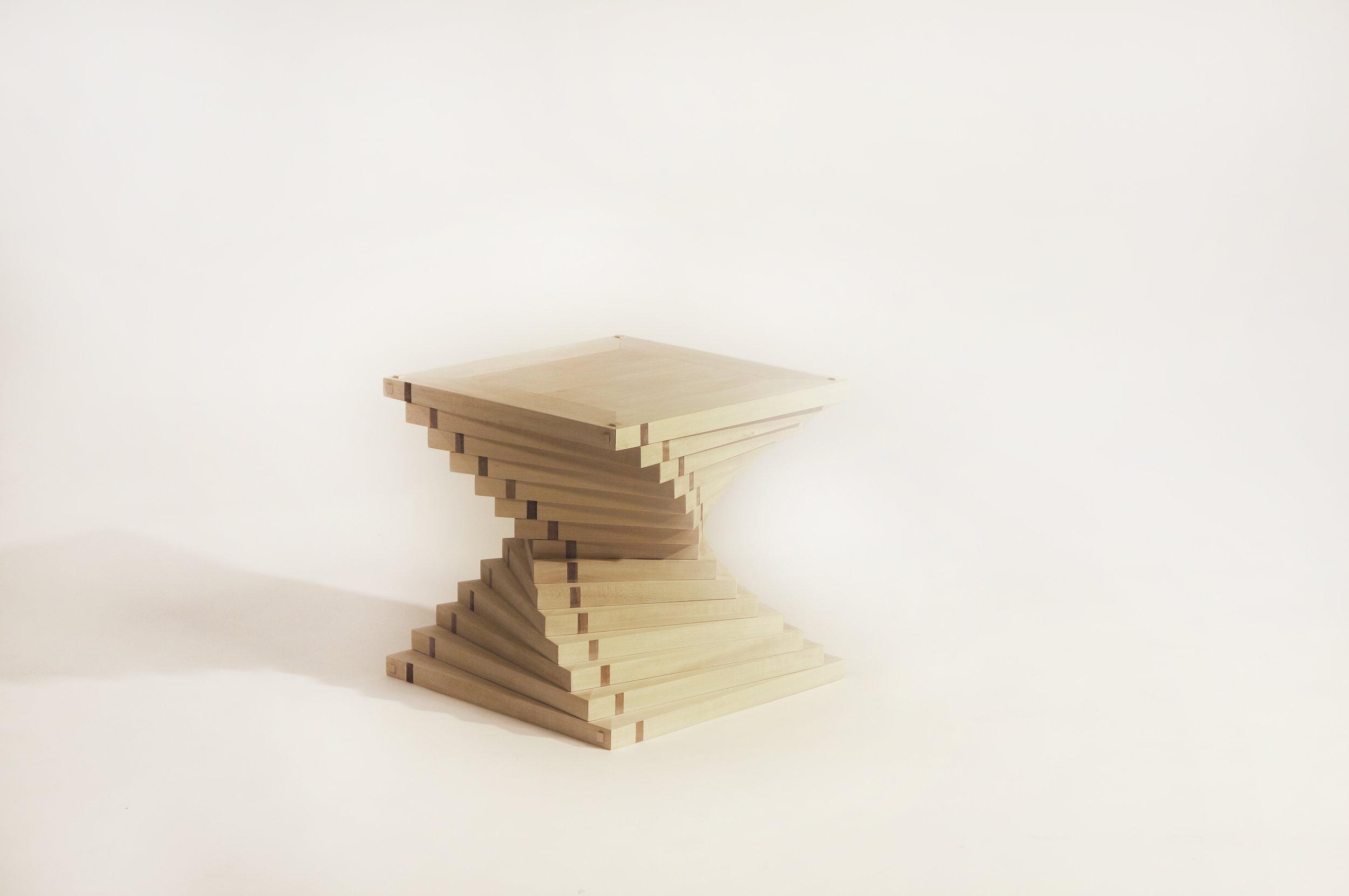 chair_wooden top point.jpg
