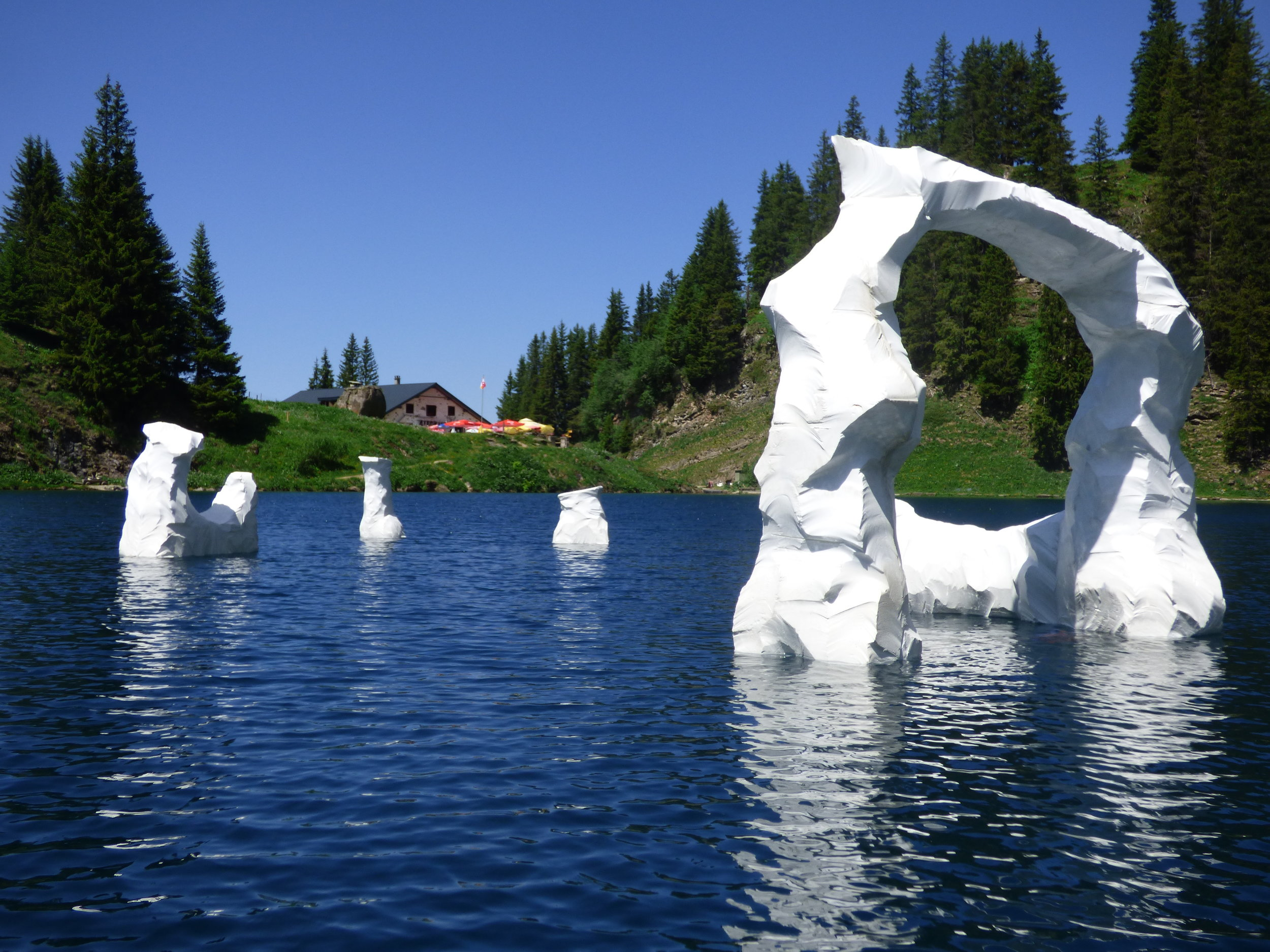 C1 - Icebergs (Lac Lioson)
