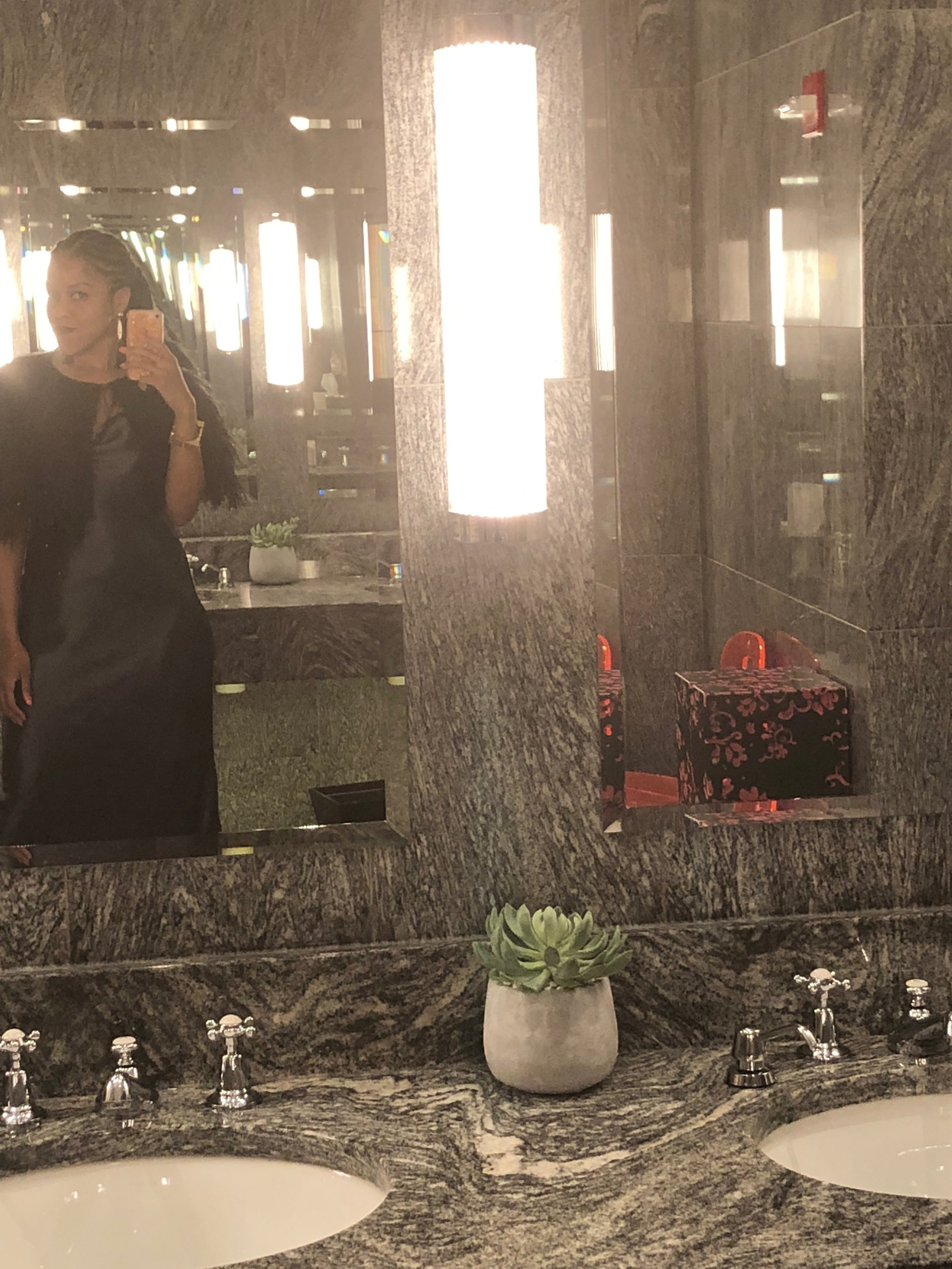 I was obsessed with the beautiful restroom in The Crosby Hotel. So pretty!