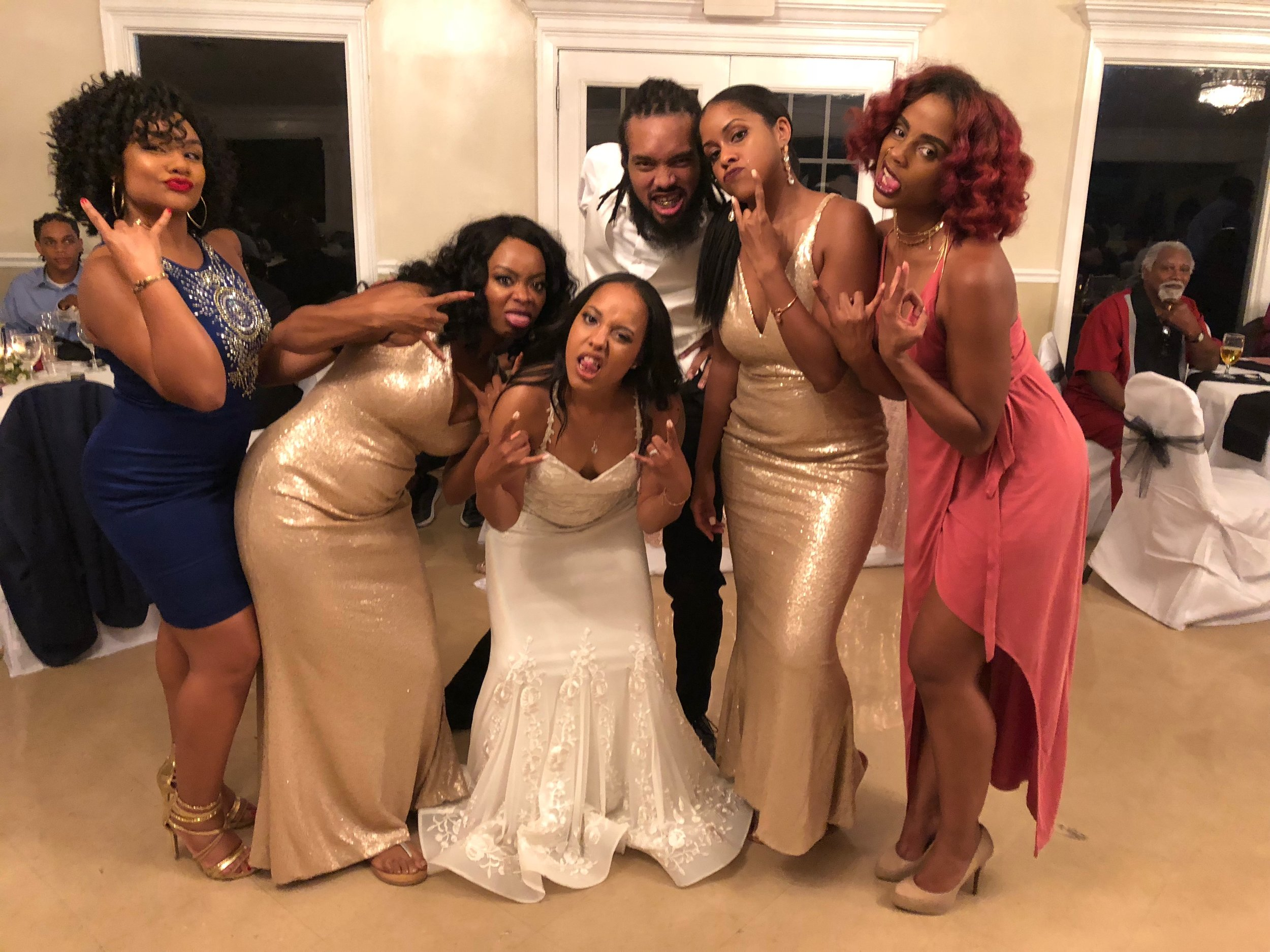 Obligatory TX pic. And D jumped in! I didn't get a good pic but the bride & groom had grills on for part of the reception. LOL. D is showing his off here.