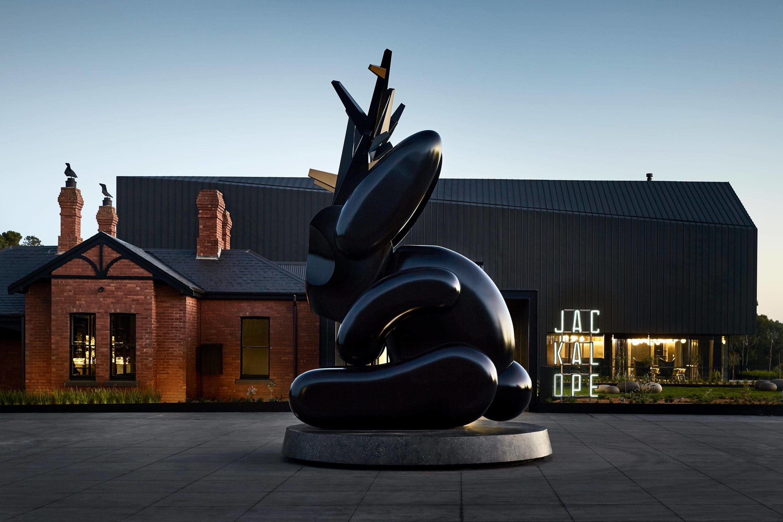 Jackalope Hotel located at 166 Balnarring Rd, Merricks North in Victoria. UAP STUDIO collaborated with artist Emily Floyd and Anna Schwartz Gallery to fabricate an artwork commission for Jackalope Hotel. Image credit: Emily Floyd.