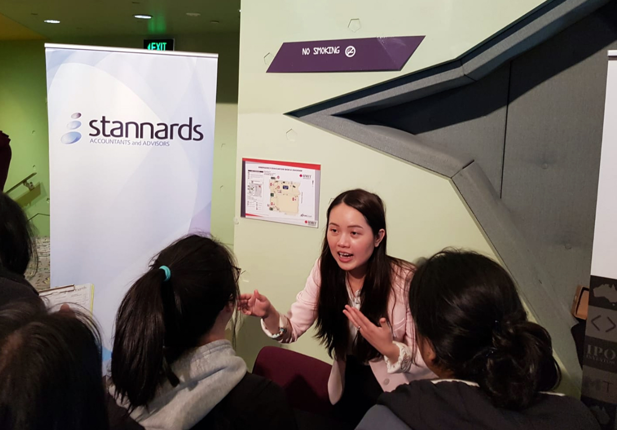 Stannards Ly Nguyen talking to RMIT students.