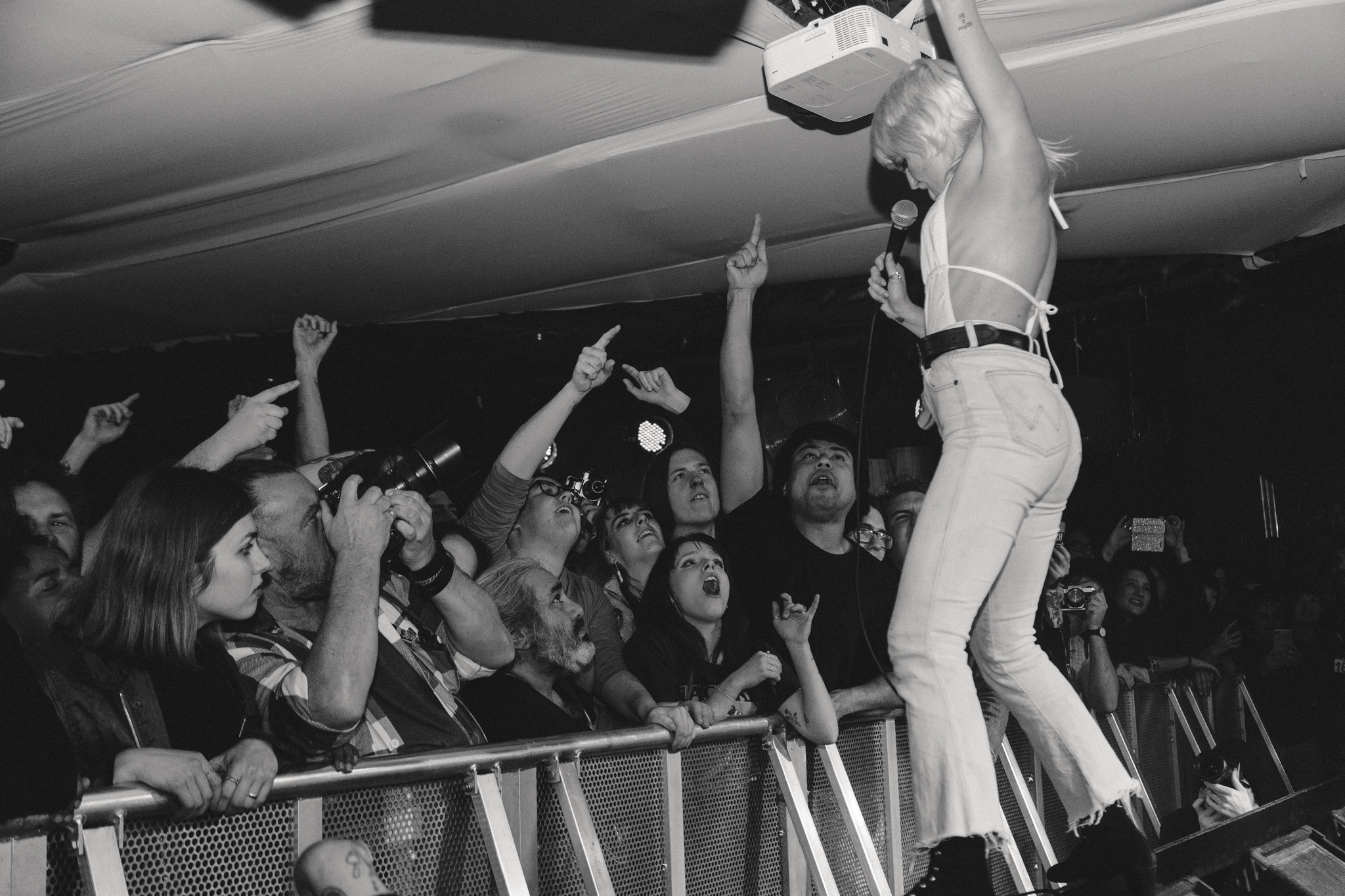 Review - 'Amyl & The Sniffers, like their namesake, were loose.'