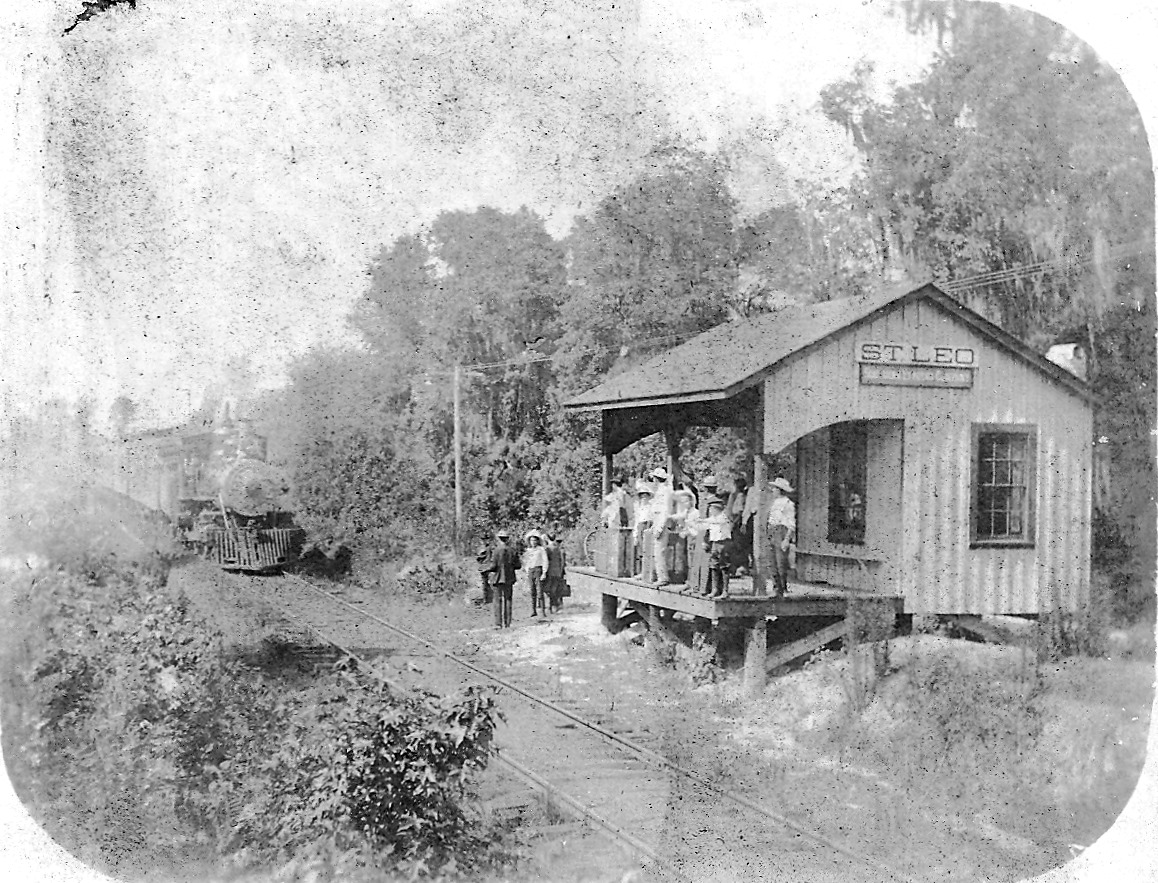 railroad station at St Leo in Paco County 1907.jpg
