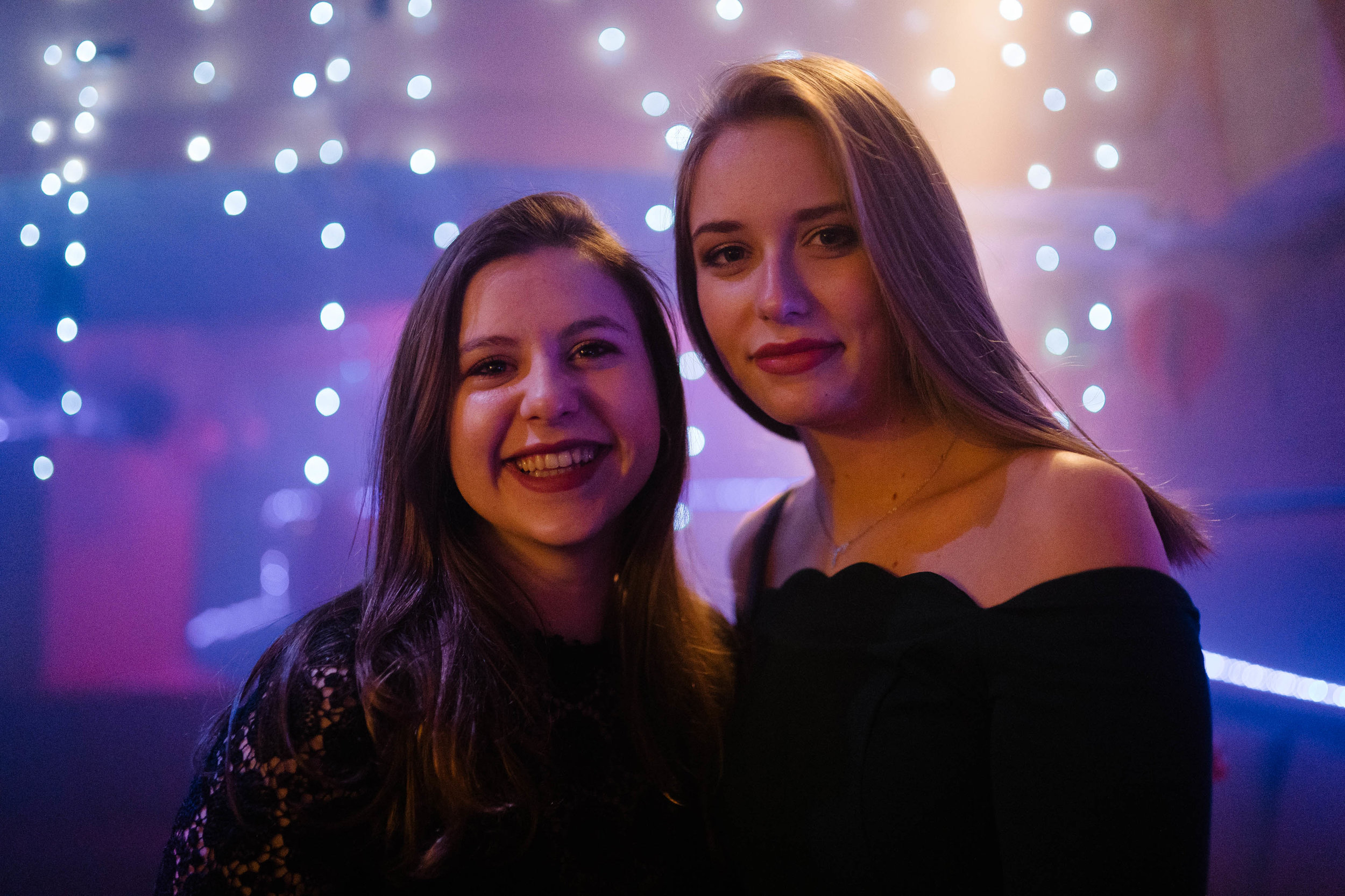 Photo de soirée bal universitaire femmes photographe et vidéaste à Bruxelles