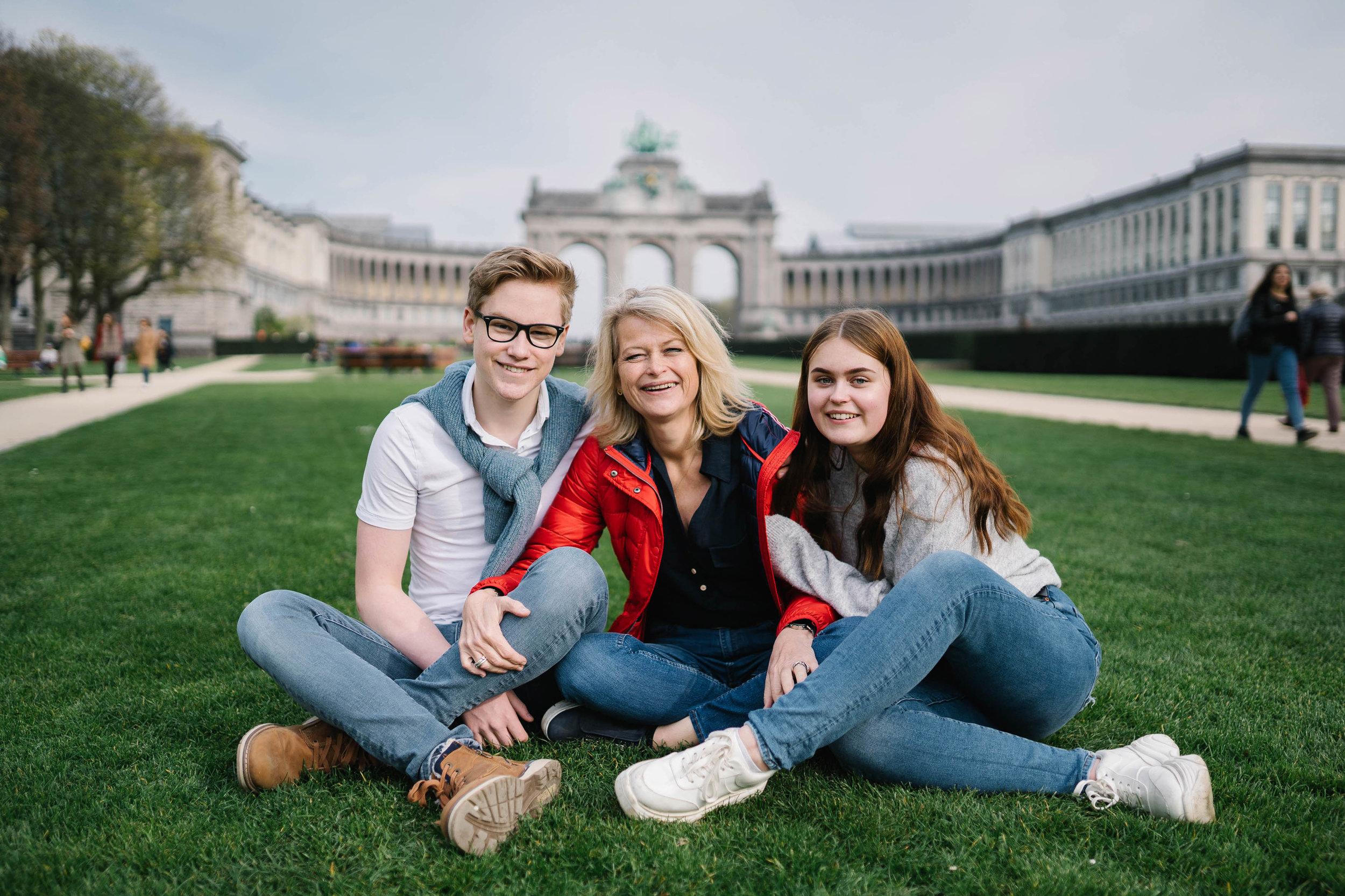 Photo de famille maman et enfants photographe et vidéaste à Bruxelles