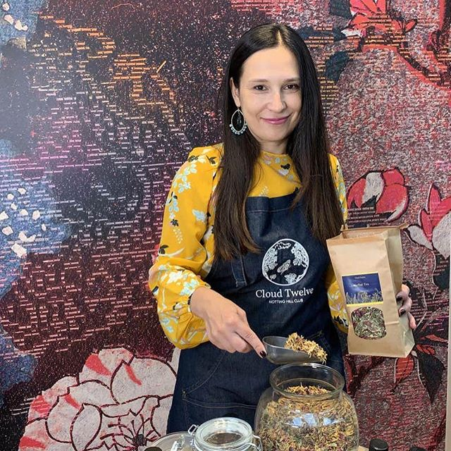 Talented herbalist 🌱 and founder of @cloudtwelveclub Jenya Di Pierro talks to the @evening.standard about her wellness routine including earthing, vitamin infusions and regular fascial stretch massage to combat wrinkles. Read the full article, link in bio. . . #london #herbalist #herbs #nature #tea