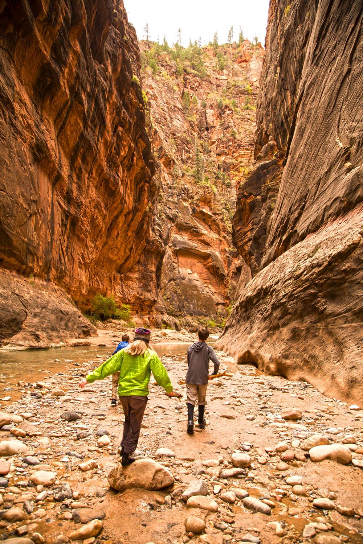zion-narrows-hike2.jpg