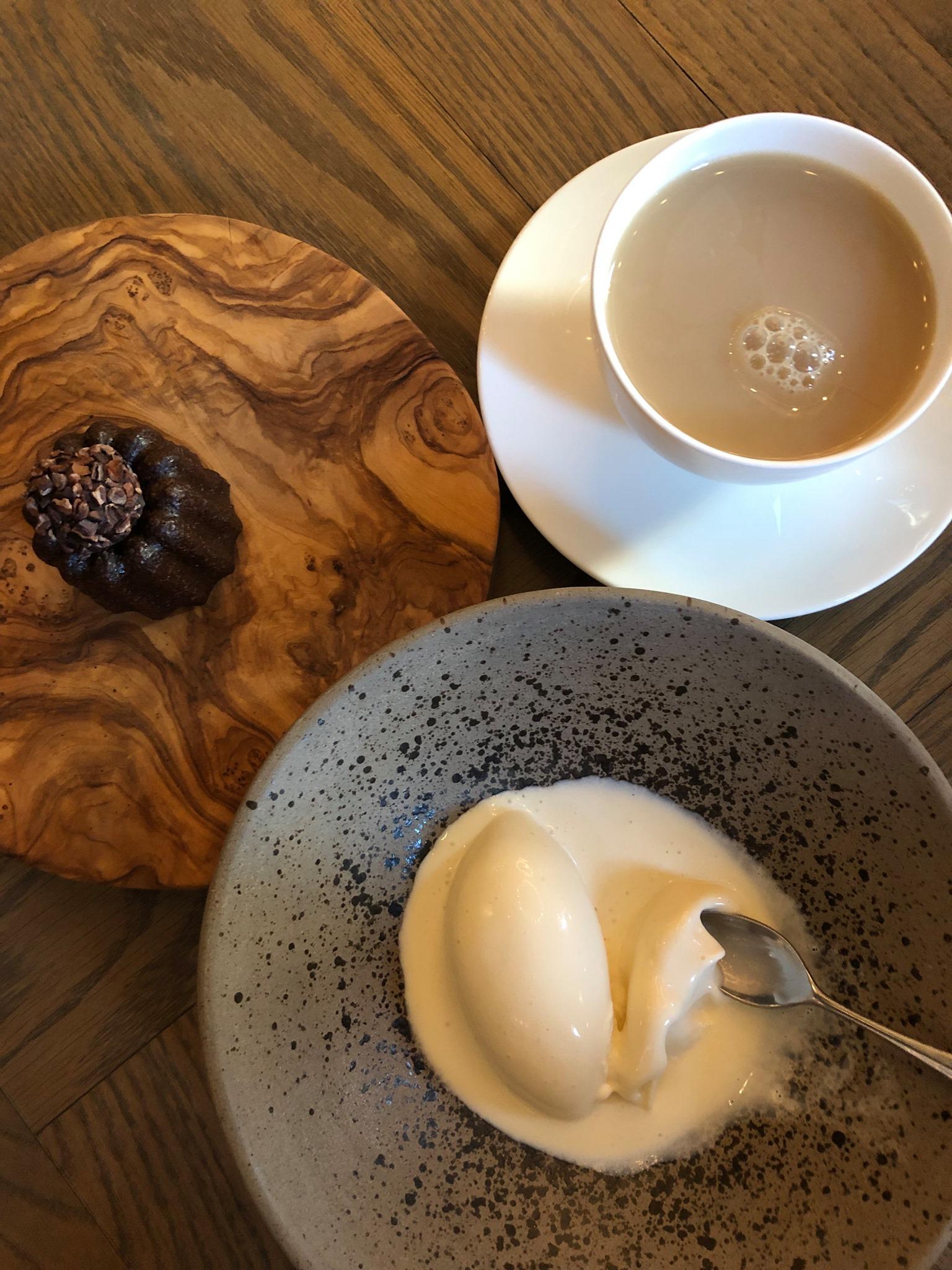Delicious honey ice cream… really delicious! -