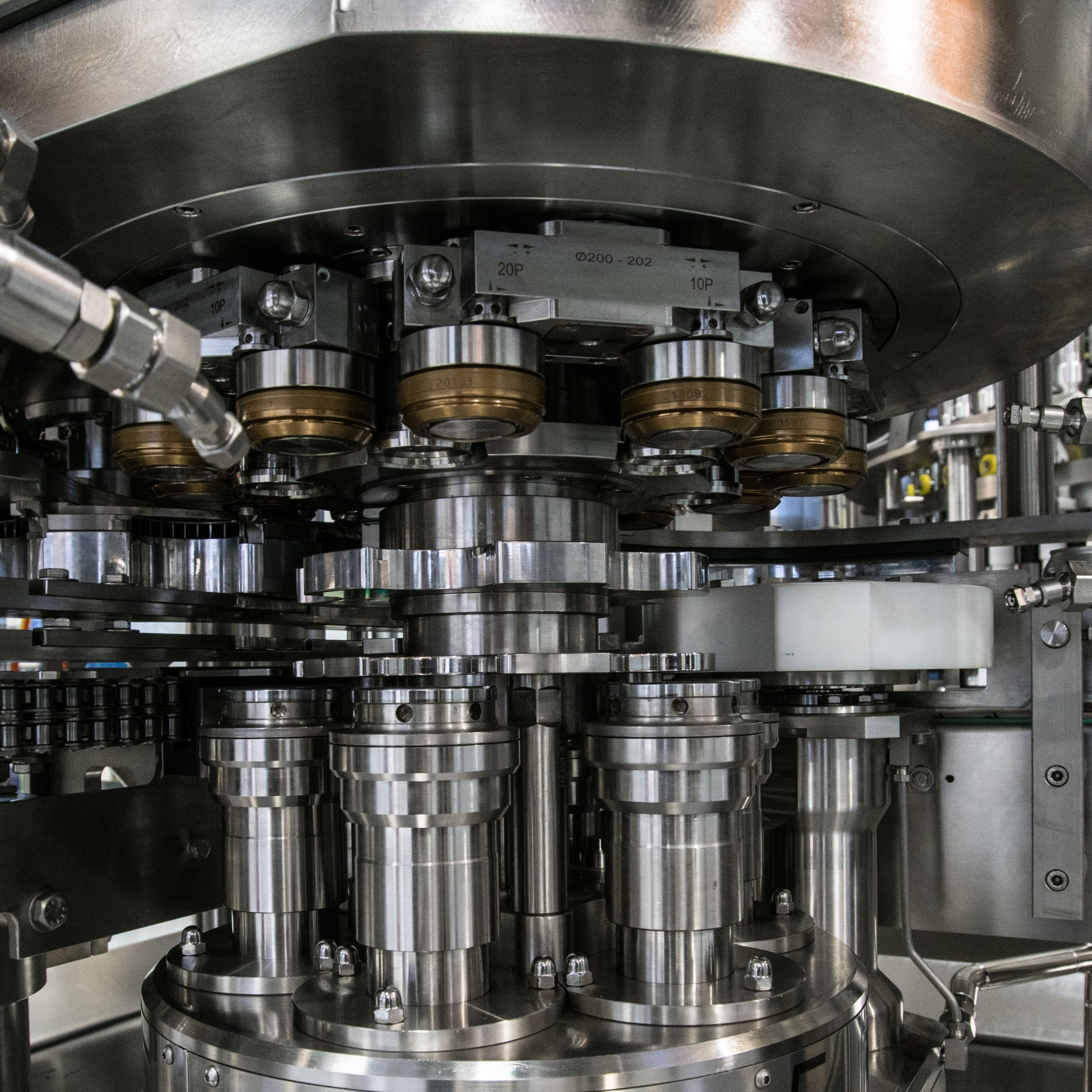 WE SERVICE PACKAGING AND PROCESS EQUIPMENT & offer maintenance contracts -