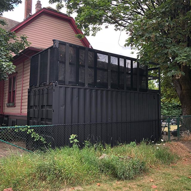 Interesting use of cargo containers. #modularhome #cargohome #pdxarchitecture