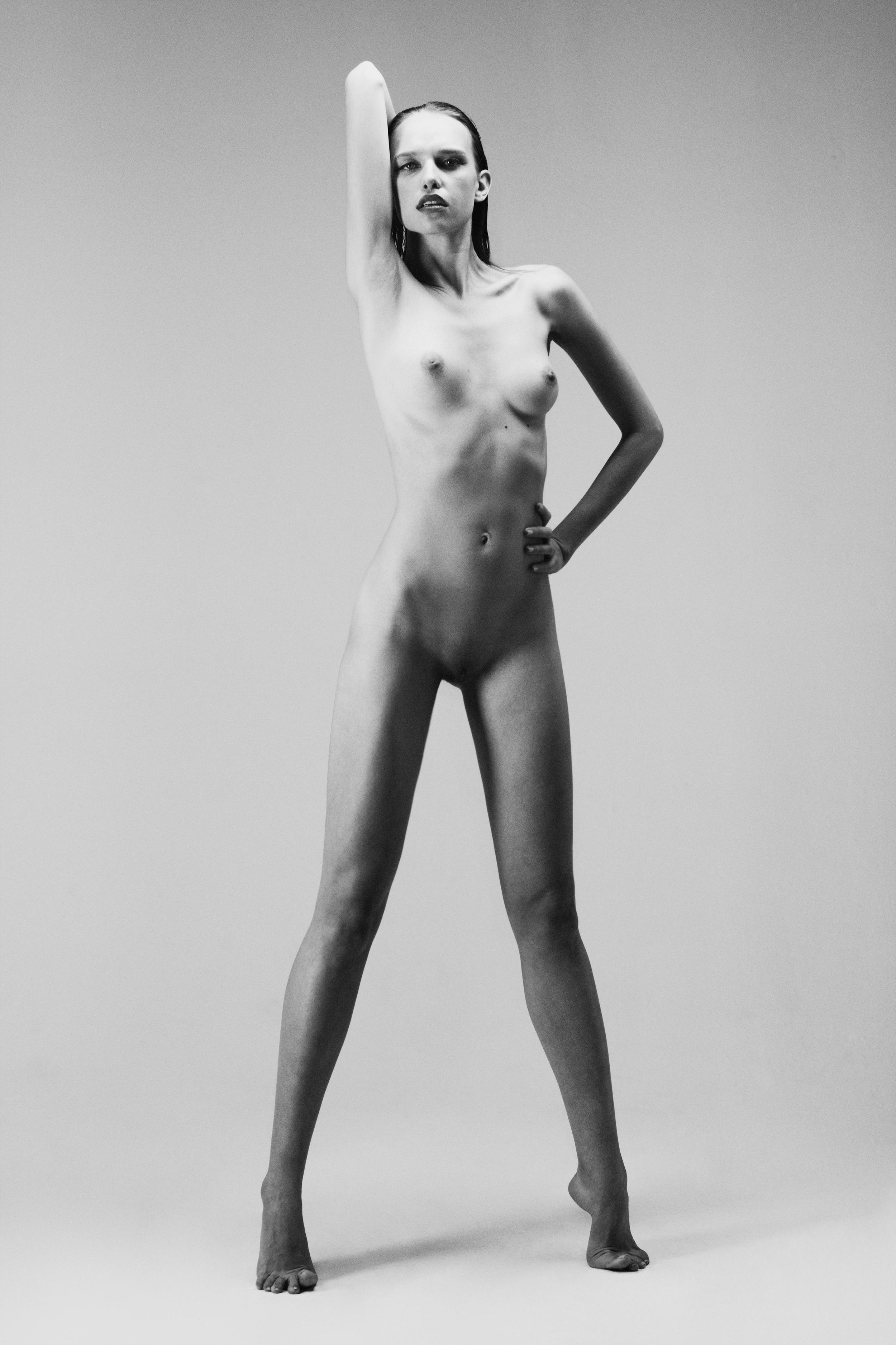 RESIZE.IMG_0020.masha_nude.jpg