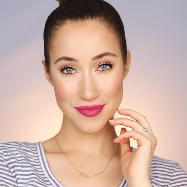 There's a new YouTube video on my channel all about the BEST lip products for spring & summer! ☀️🌸 I recommend my favorite lip balms, tinted lip balms, glosses, and bold lip colors!! If you haven't seen it yet, the link is in my bio!🎉 I've always been obsessed with lipstick- I feel like it's the easiest way to transform a look and I always feel so confident in a bold lip 💋What's your current favorite lip product?! Let me know!! 😘 • DETAILS: BROWS: @benefitcosmetics Precisely, My Brow Pencil shade 3.5 FACE: @renskincareus Perfect Canvas Primer  @nyxcosmetics Bare With Me Tinted Veil @nablacosmetics Close Up Concealer & Loose Setting Powder @ctilburymakeup Contour Wand @fentybeauty Sun Stalk'r Bronzer in Inda Sun @bareminerals Bronzer in Faux Tan @narsissist Wanted Blush Palette @anastasiabeverlyhills @amrezy Highlighter @ciatelondon Dewy Stix In Glow @lilahbeauty Aglow Face Mist EYES: @doseofcolors Eye Liner in Teddy  @lorealmakeup Voluminous Carbon Black Mascara LIPS: @narsissist Velvet Matte Lip Pencil In Promiscuous • • #springmakeup #summermakeup #lipstick #nars #nyx #fentybeauty #bareminerals #ciatelondon #loreal #doseofcolors #benefitcosmetics #lilahb #renskincare #nablacosmetics #7minutegiveaway 🎁🎁🎁
