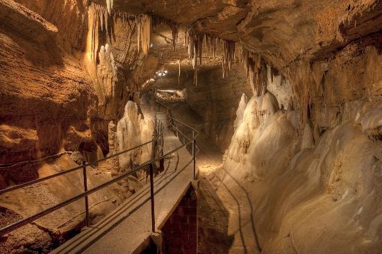 Seneca Caverns 1.jpg