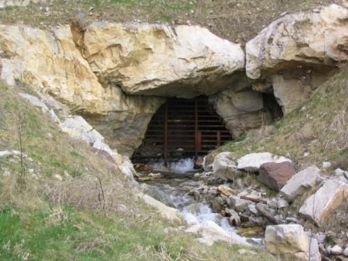 Best Caves 1.jpg