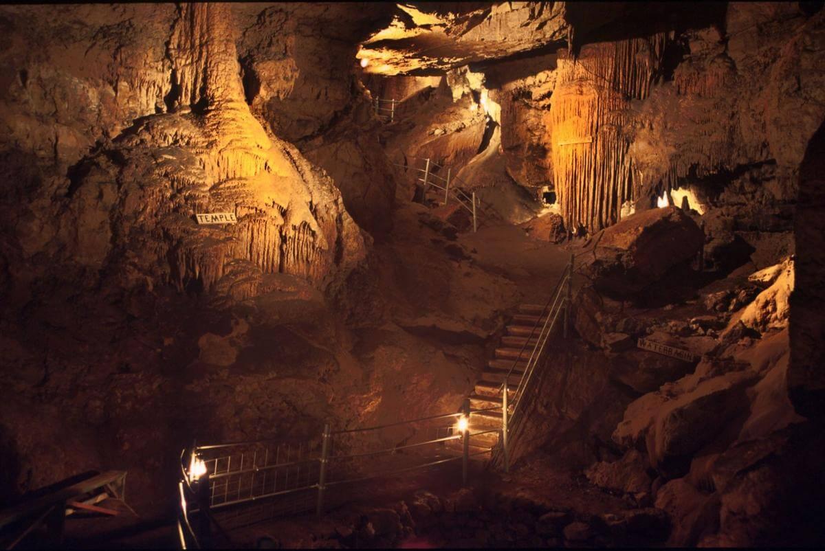 Organ Cave 1.jpg