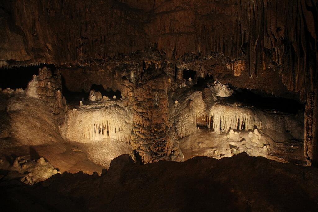 Organ Cave 4.jpg