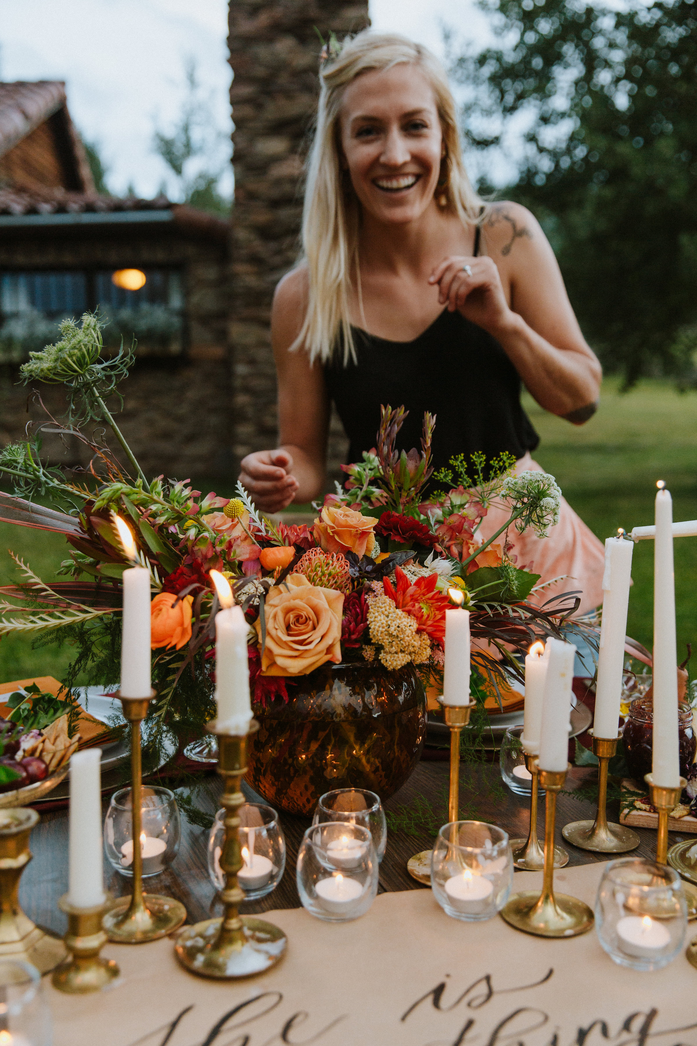 Private Workshop - Girl's night out or a bachelorette party? Do you want to learn how to arrange flowers just for fun? We want to help you party. Any occasion we can bring some fun and flowers into your night.