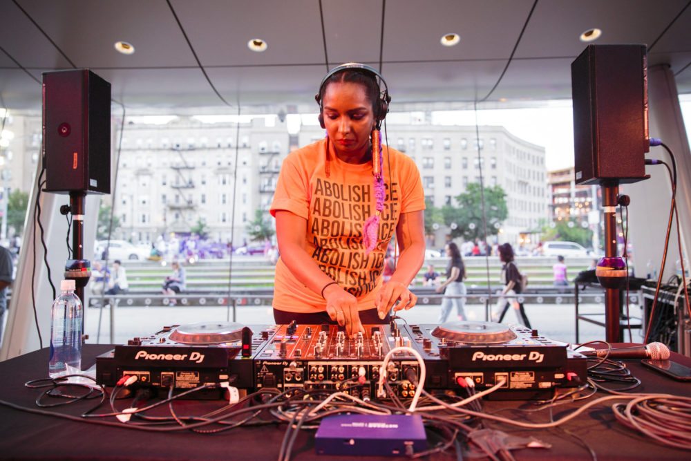 Image Description: Ushka playing at Target First Saturday at Brooklyn Museum in July 2018. Photo by Kolin Mendez.