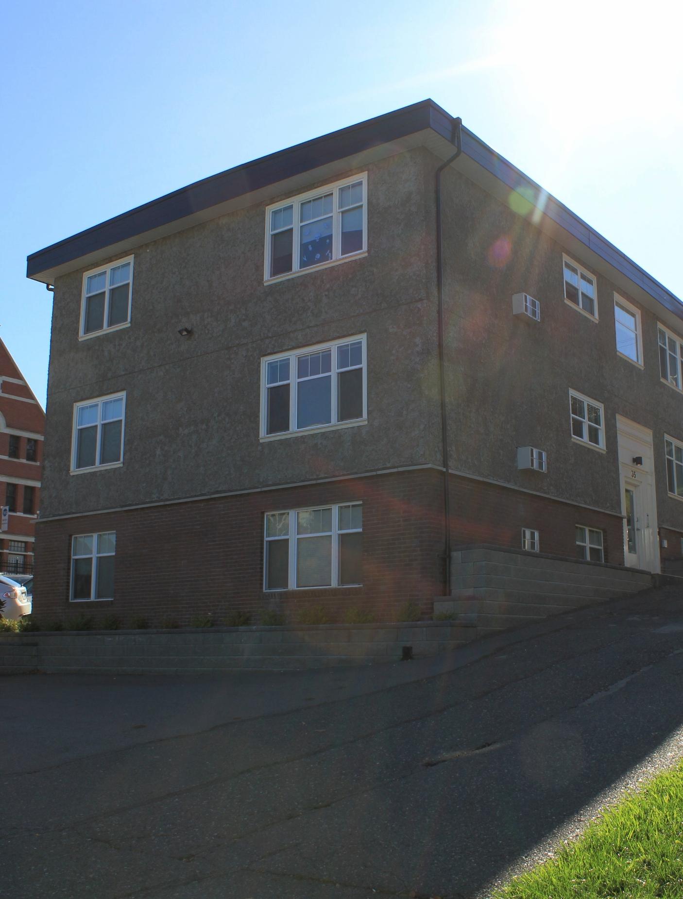 Listening Location:  Apartment Building  35 Seymour Street West