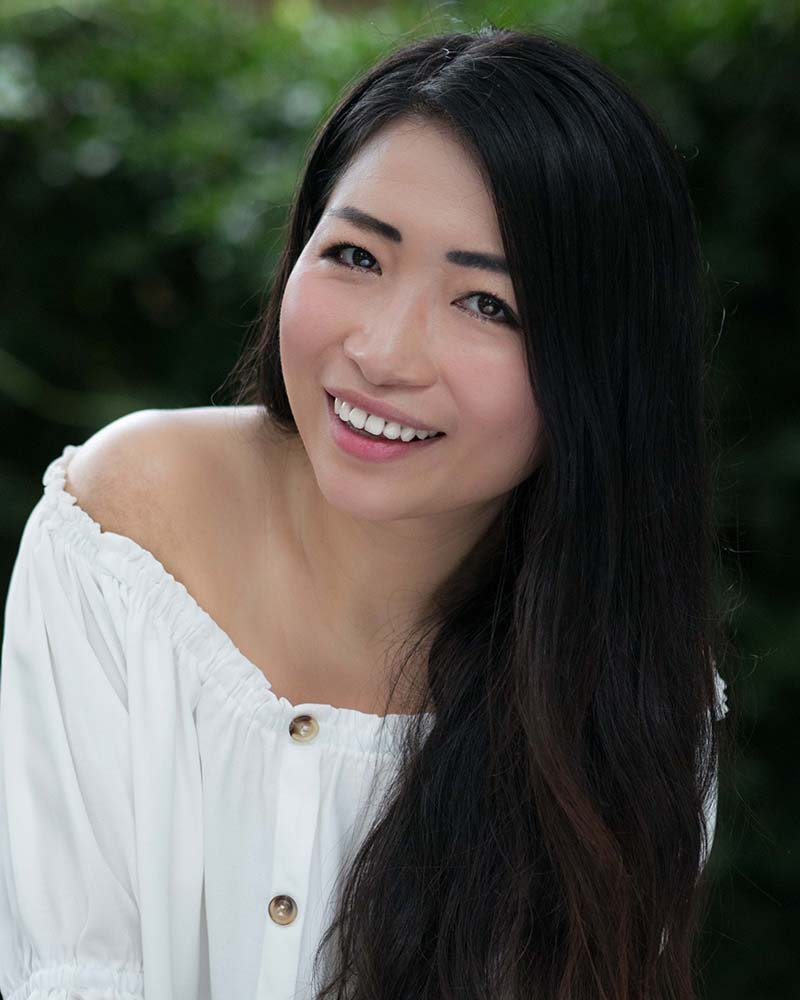 Lansy Feng headshot sm.jpg