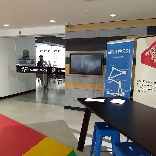 Phew! For a terrible moment, we thought our fab presenter, Suzanne Derry might be stuck at Sydney Airport but Yay! Suzanne has arrived and we're all set to go. Come and say hi at the rego desk, grab yourself a tea or coffee and let's have a great day! #ArtsWestMelb #ArtsLaw #VU@MetroWest