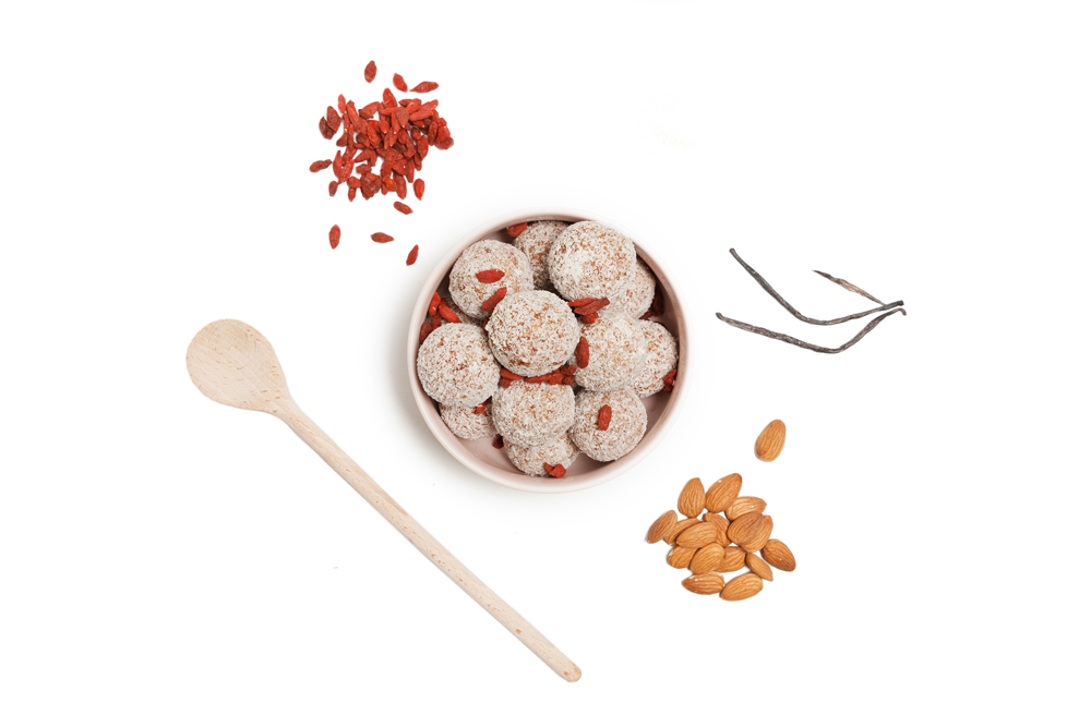 Goji Vanilla - A sweet, creamy and crunchy vanilla protein ball packed with a variety of natural ingredients. The goji vanilla is perfect for a healthy snack that will satisfy your sweet tooth.