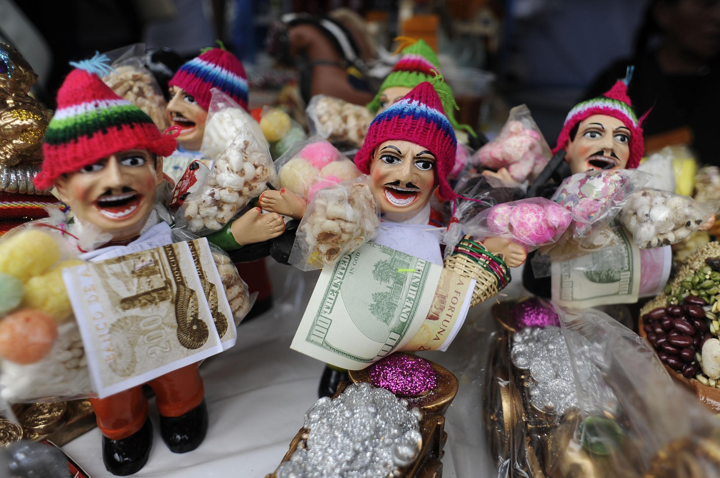 Miniatures of Ekeko, the god of abundance (Photo: Bolivian Embassy in Seoul)