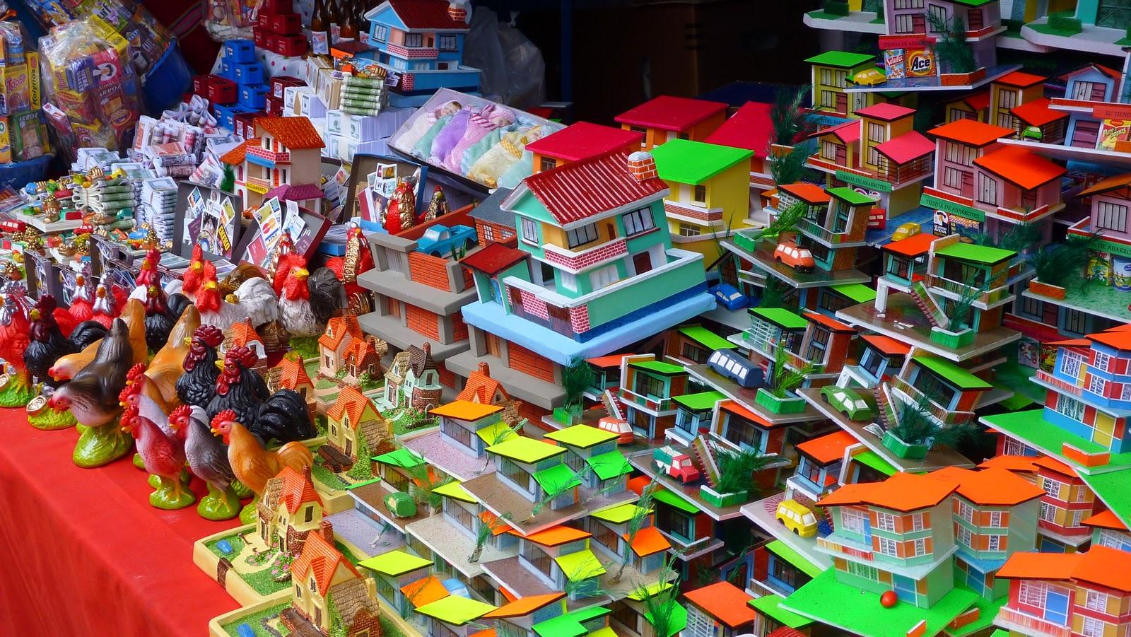 Various handmade miniatures (Photo: Bolivian Embassy in Seoul)