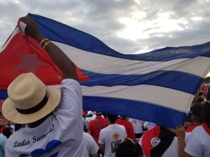 니카라과의 산디니스타 혁명 승리 40주년 행사에 참가한 쿠바 대표단, 사진출처: 자넷 찰스