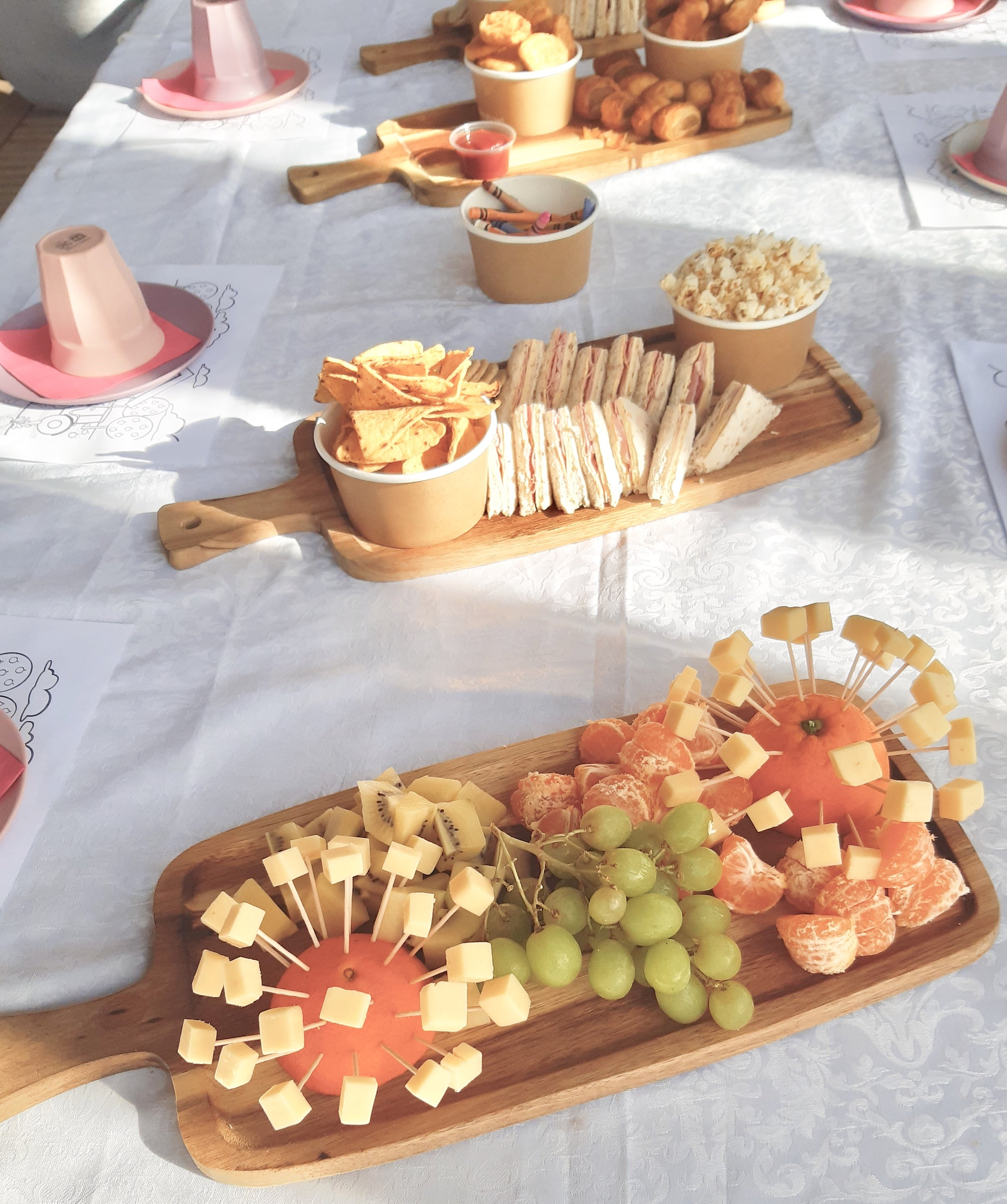 Example of children's platters. Please note these are subject to change seasonally.
