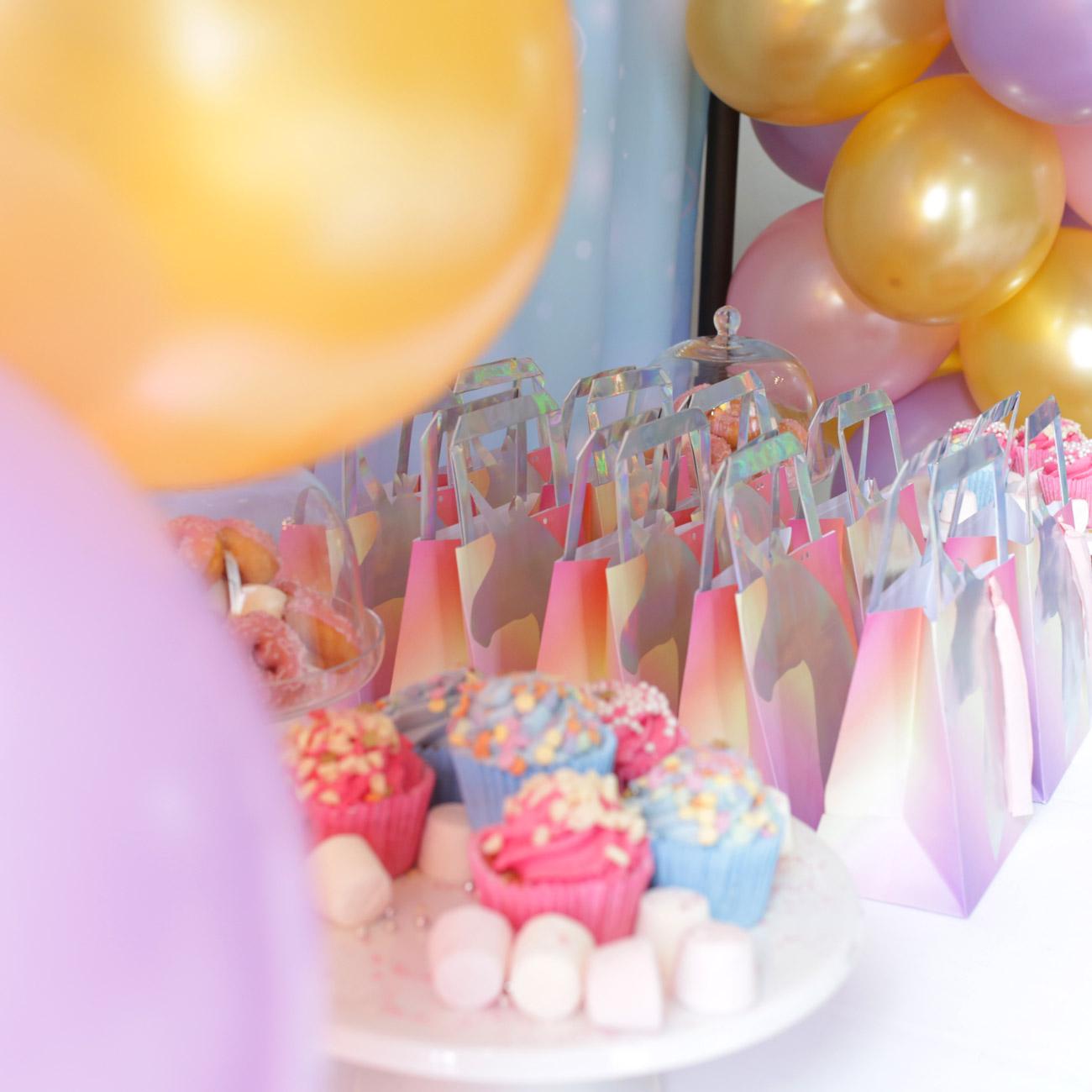 cupcakes-baloons.jpg
