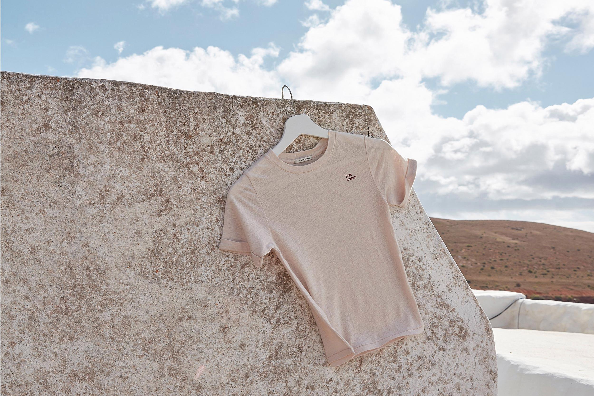 12_Lanzarote_THENEWSOCIETY_Tshirt_006_srgb_breiter_3x2.jpg