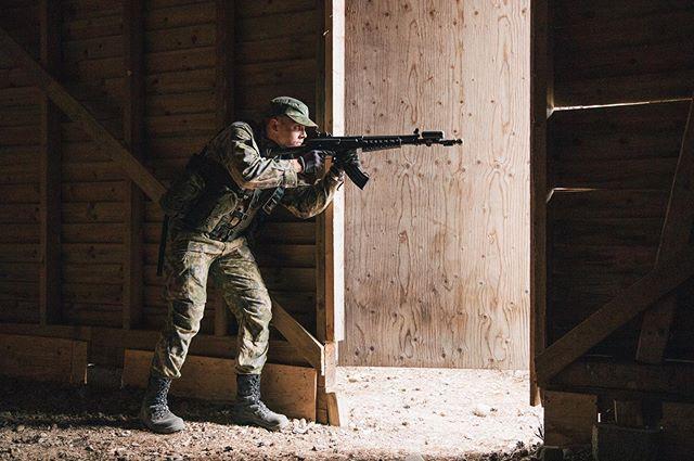 Varusmiessoittokunnan Jääkäriharjoitus 2019 . . . . . . #varusmiessoittokunta #pvvmsk #intti #valokuvaus #toimintakuvaus #sota #taistelu #valokuvaaja #puolustusvoimat #aketus