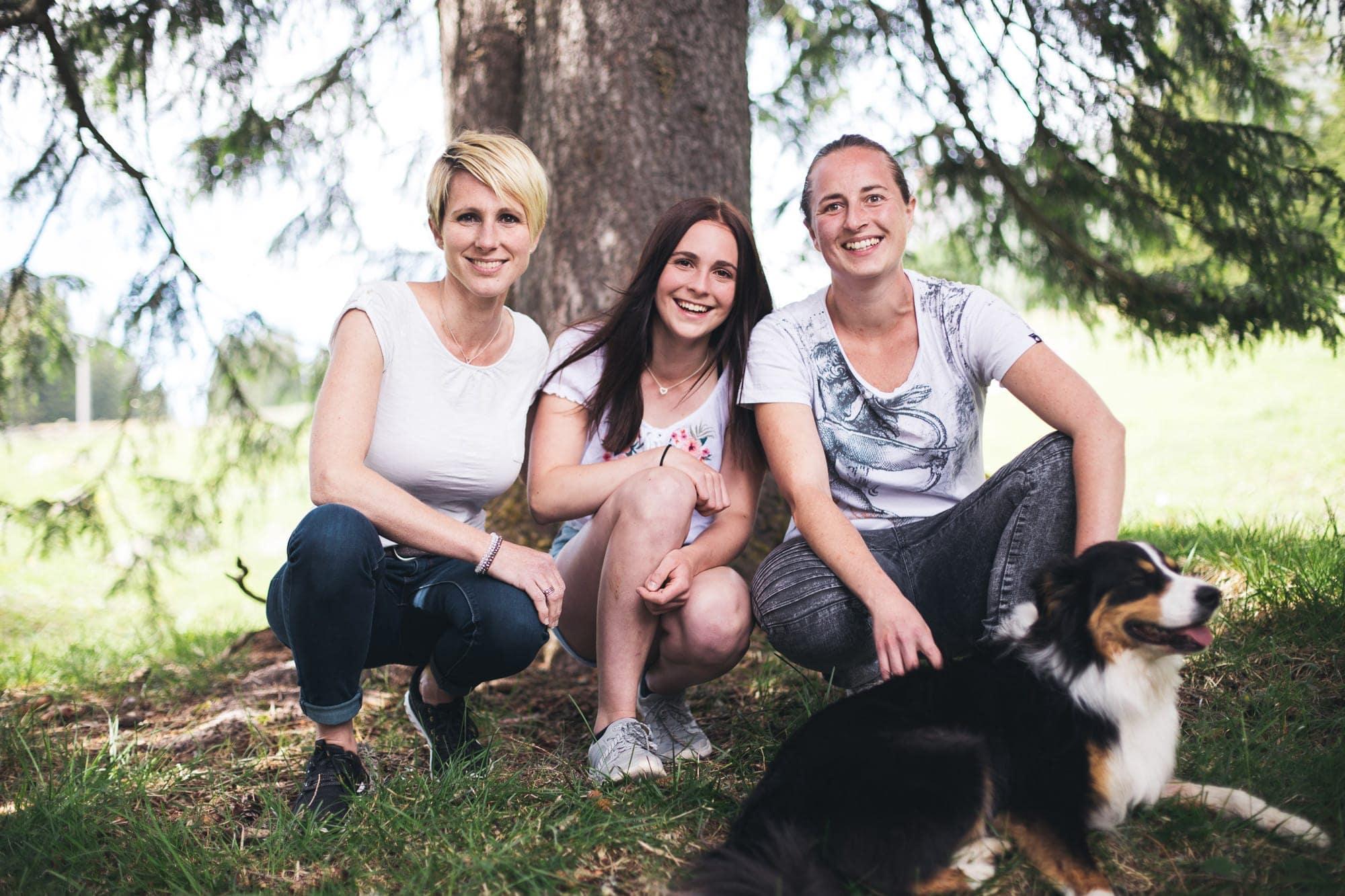 Die Schnauziis-Erfinderinnen: Rosine, Luna, Barbara & Louie (v.l.)