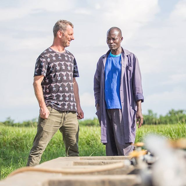"Demand for fish in Kenya is rapidly rising. But Lake Victoria is fast running out of wild fish. @TheTestKitchenCT chef #LukeDaleRoberts travelled to Kisumu to meet farmers working with @Farm_Africa to sustainably rear fish in fishponds. ""It's a great privilege for me to be involved in Chefs for Change, seeing the way food can be grown and farmed in a sustainable way. I'm so honoured to be part of this movement."" Photo: @lisajanemurray #Worlds50Best #TestKitchen #ChefsForChange #Fish #FishFarm #FishFarming #Sustainability #Environment #FarmAfrica #Kenya"