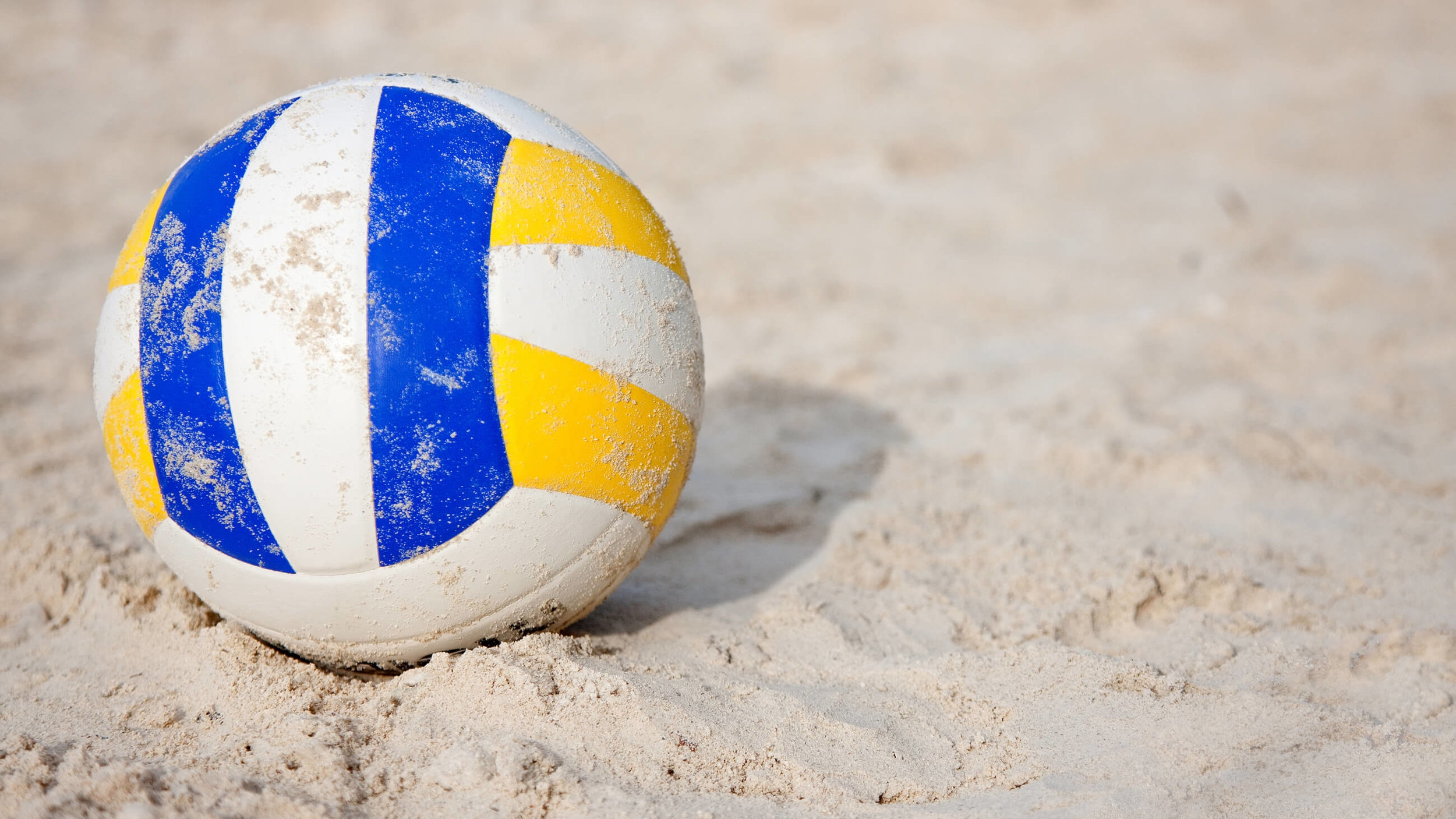 Beach volleyball - Challenge your mates to a game on the beach!