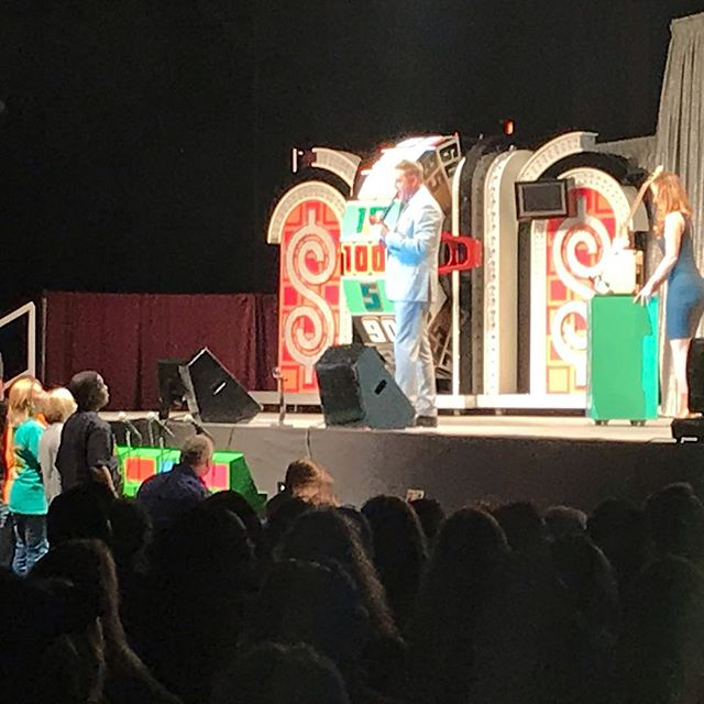 So much fun last night at The Oil Palace with The Price Is Right LIVE. Over 1000 people waited in line starting at 2pm for a chance to be a contestant and had a blast! So much fun and locals here in #tylertx had the chance to win! We had several ticket giveaways and one of our FREE ticket winners got to be on stage and play #PLINKO and won $450! :). The host was @markwalberg who was very funny. There are GREAT things happening at The Oil Palace. . . . . #oilpalace #tylertex #tylertexas #tylertexasphotographer #tylertexasrocks #easttx #easttexas #easttexaslife #tpir #thepriceisright #thepriceisrightlive