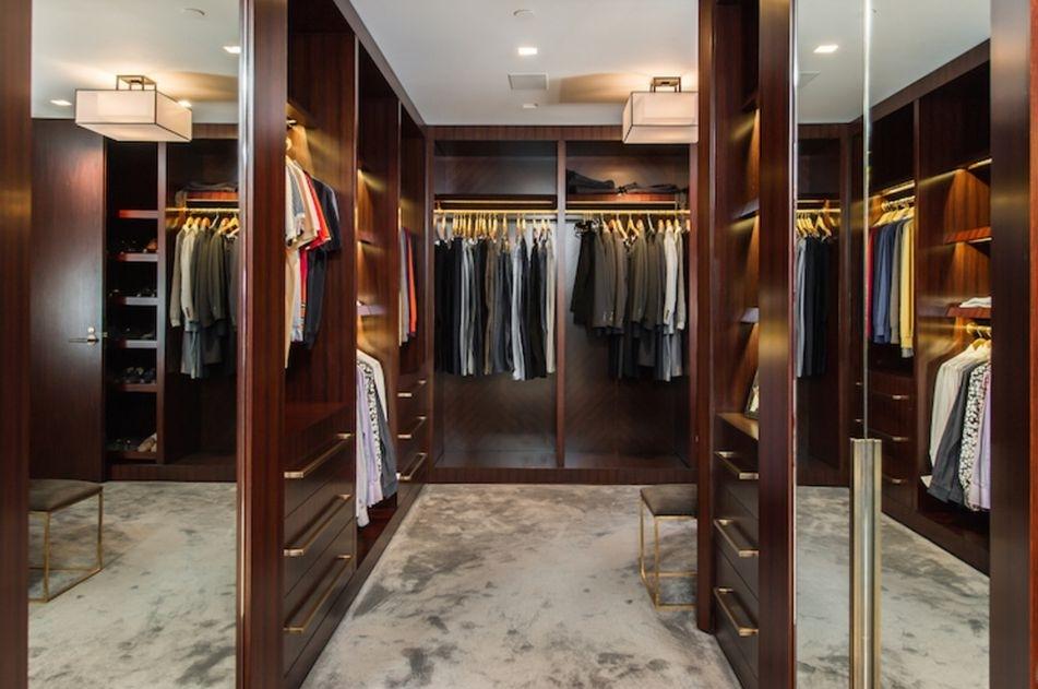 Closet Side View 2.jpg